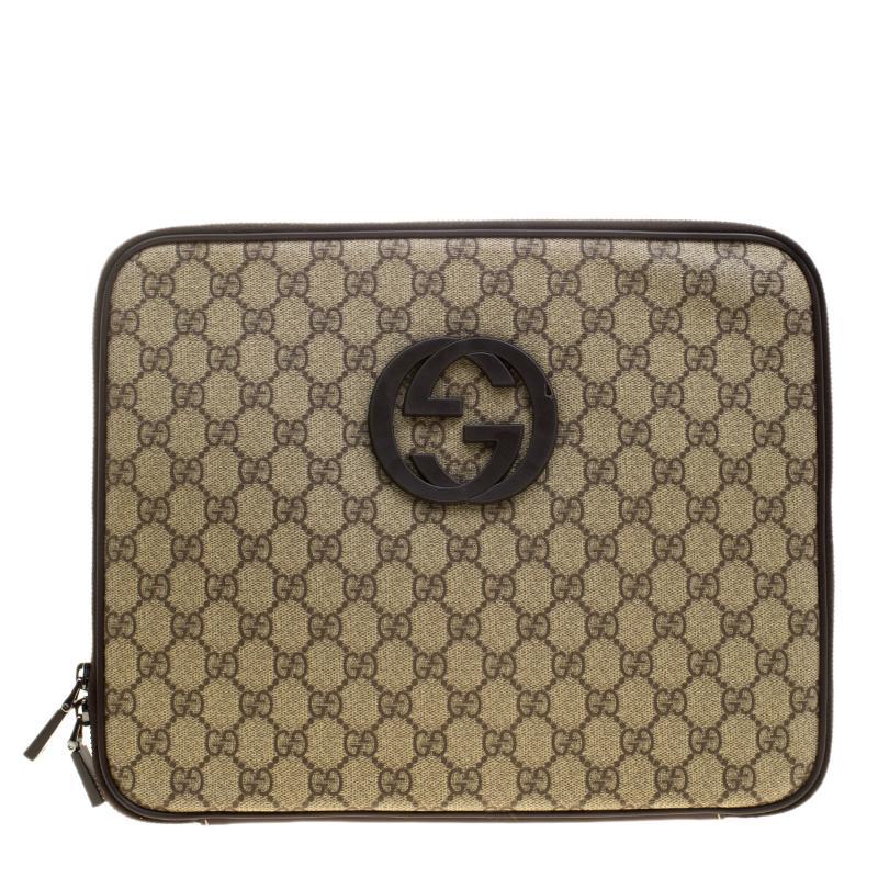 23852ee8354 Lyst - Gucci Beige GG Supreme Canvas Interlocking GG Netbook Case in ...
