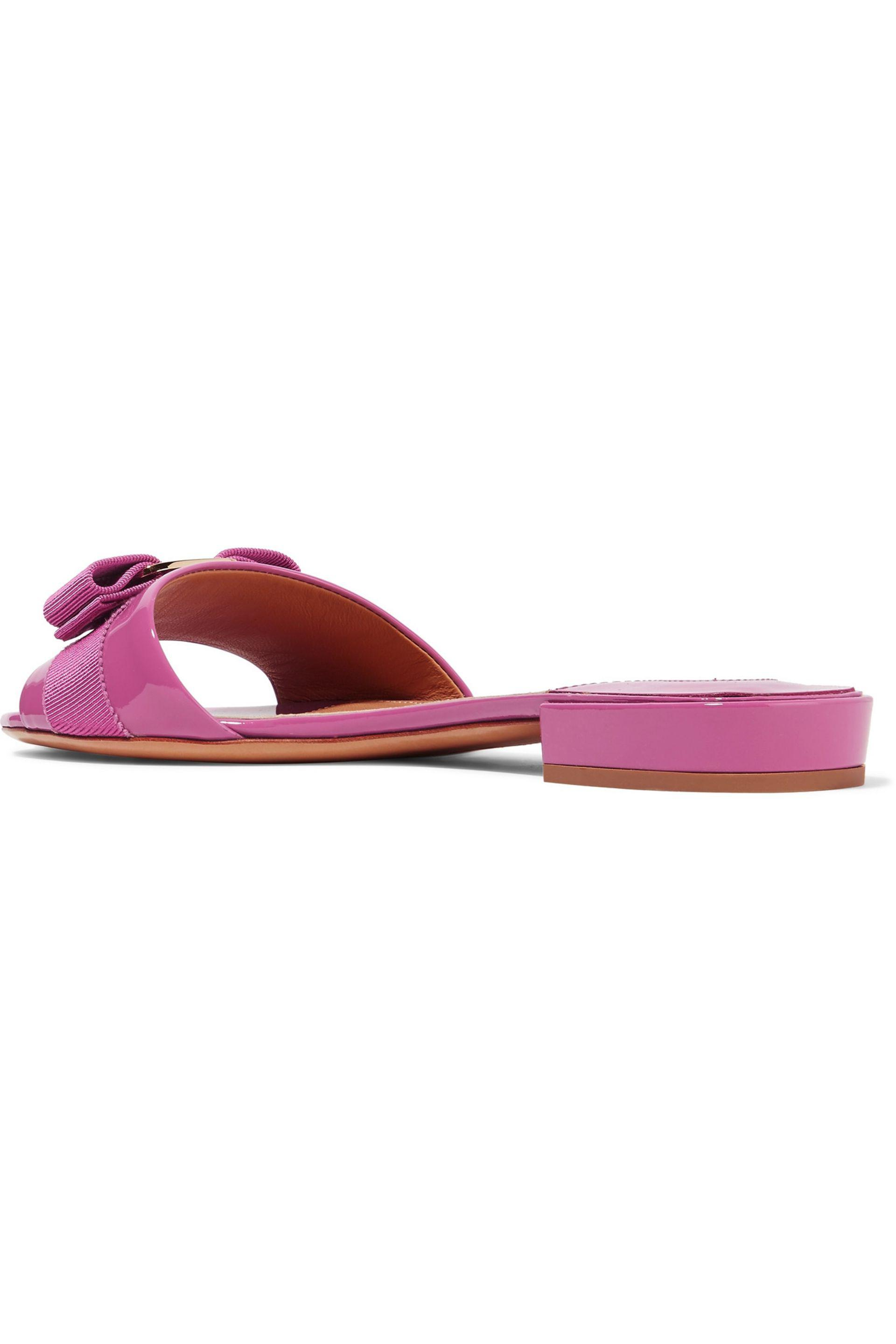 6d1cec33c90e Lyst - Ferragamo Gil Bow-embellished Patent-leather Slides in Pink