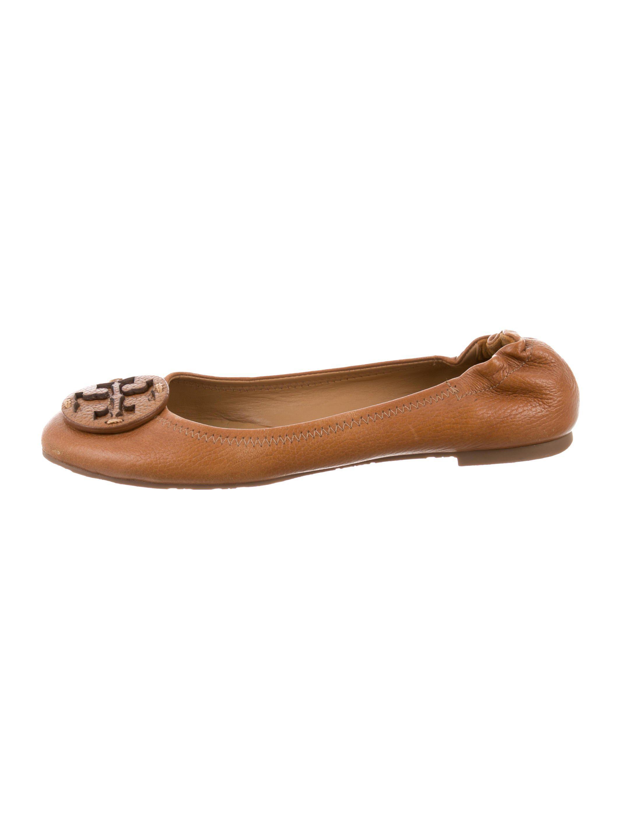 d085f74422c Lyst - Tory Burch Reva Round-toe Flats Brown in Metallic