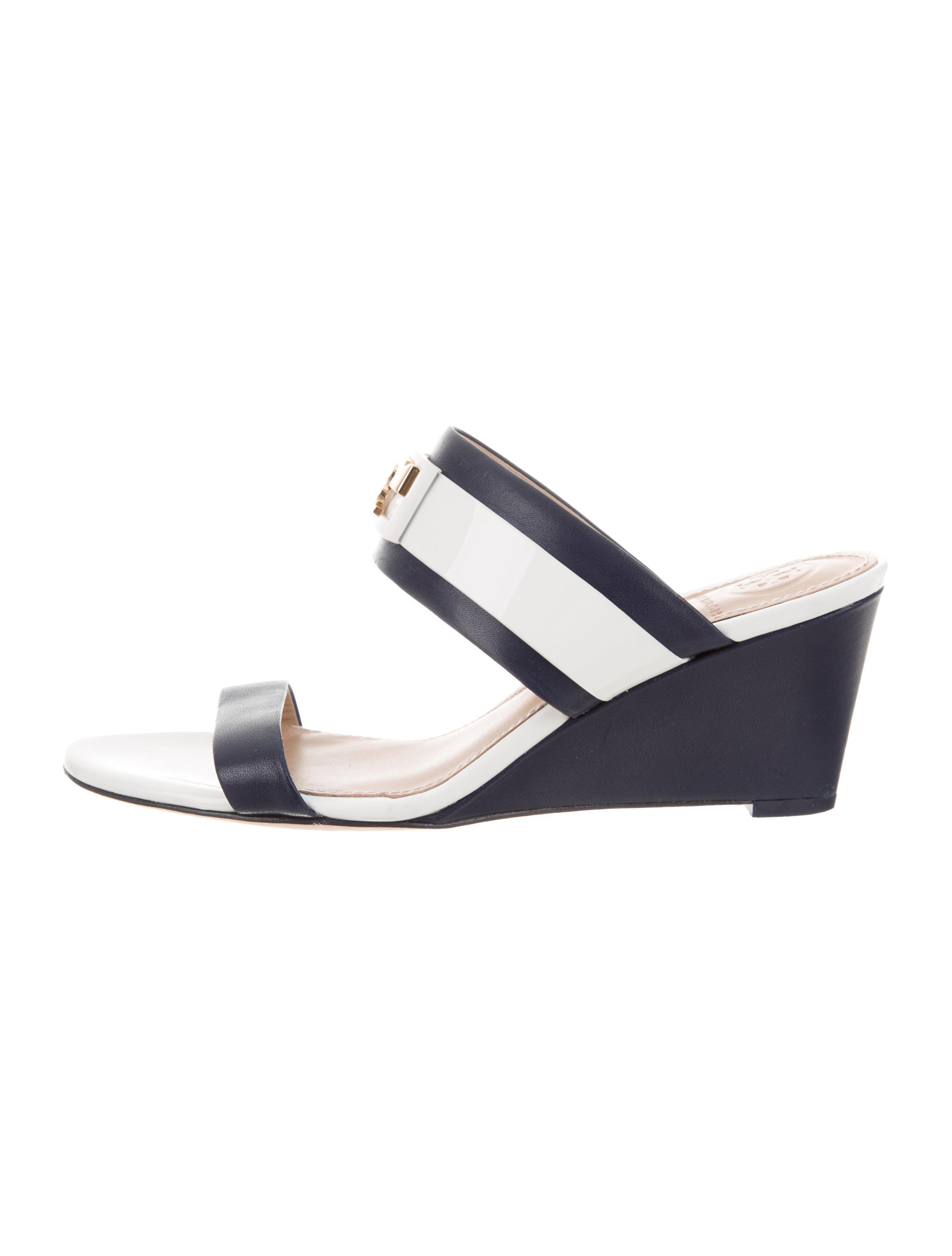 e7f1e9812 Lyst - Tory Burch Leather Wedge Mules Navy in Metallic