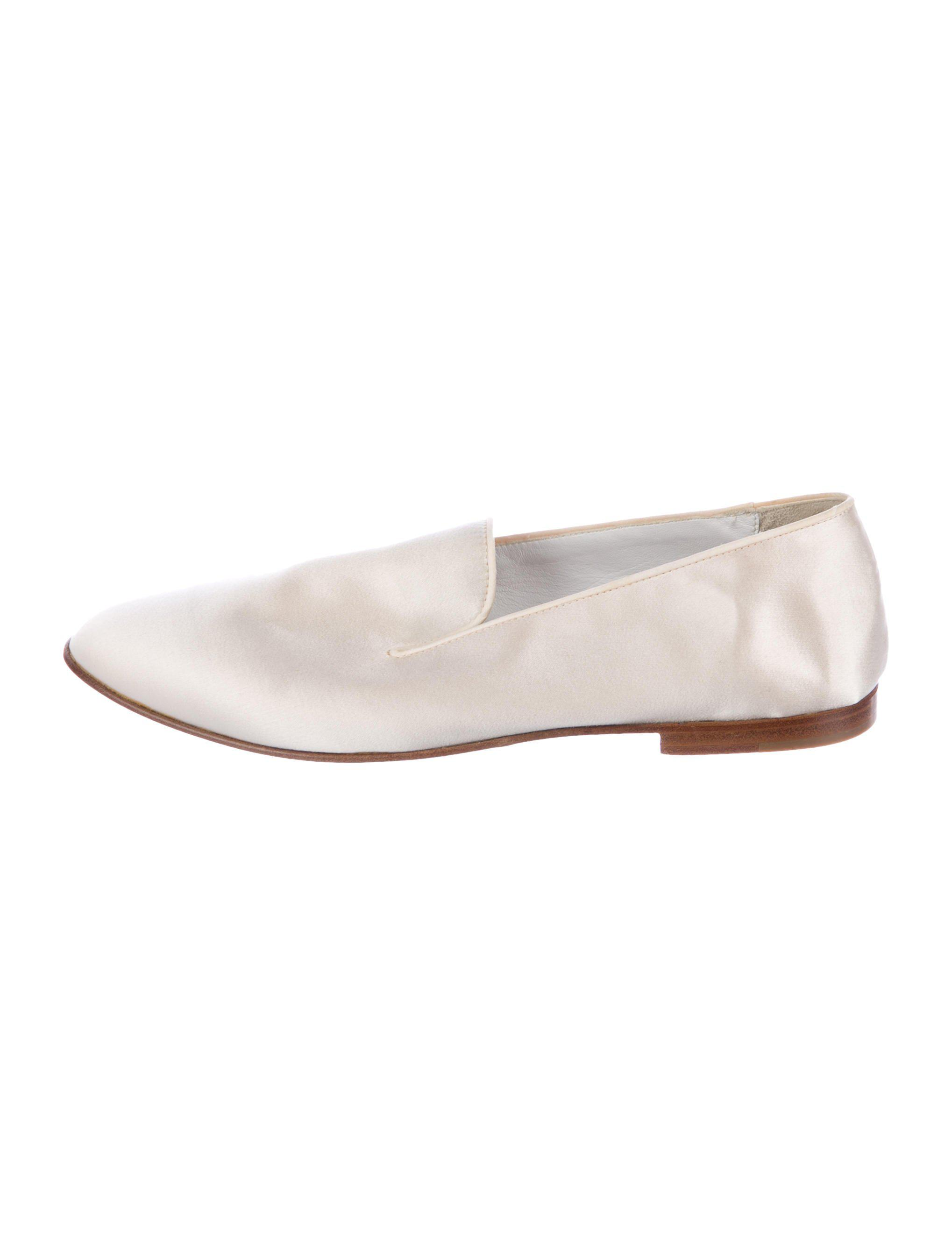 506dc0a2b85 Lyst - Loro Piana Satin Round-toe Loafers Neutrals in Natural