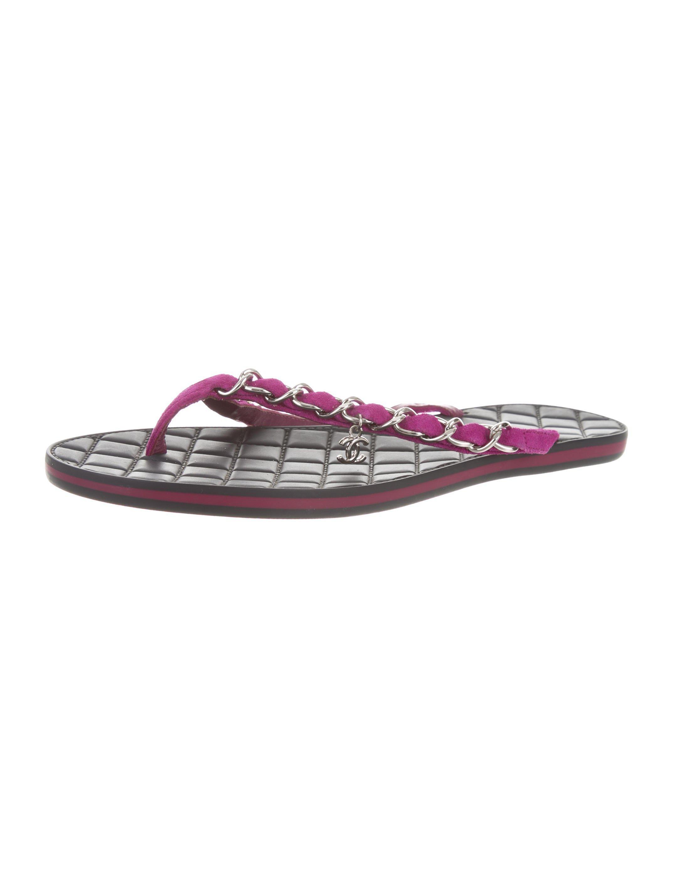 0b135af3e7eb Lyst - Chanel Chain-link Cc Sandals Fuchsia in Metallic
