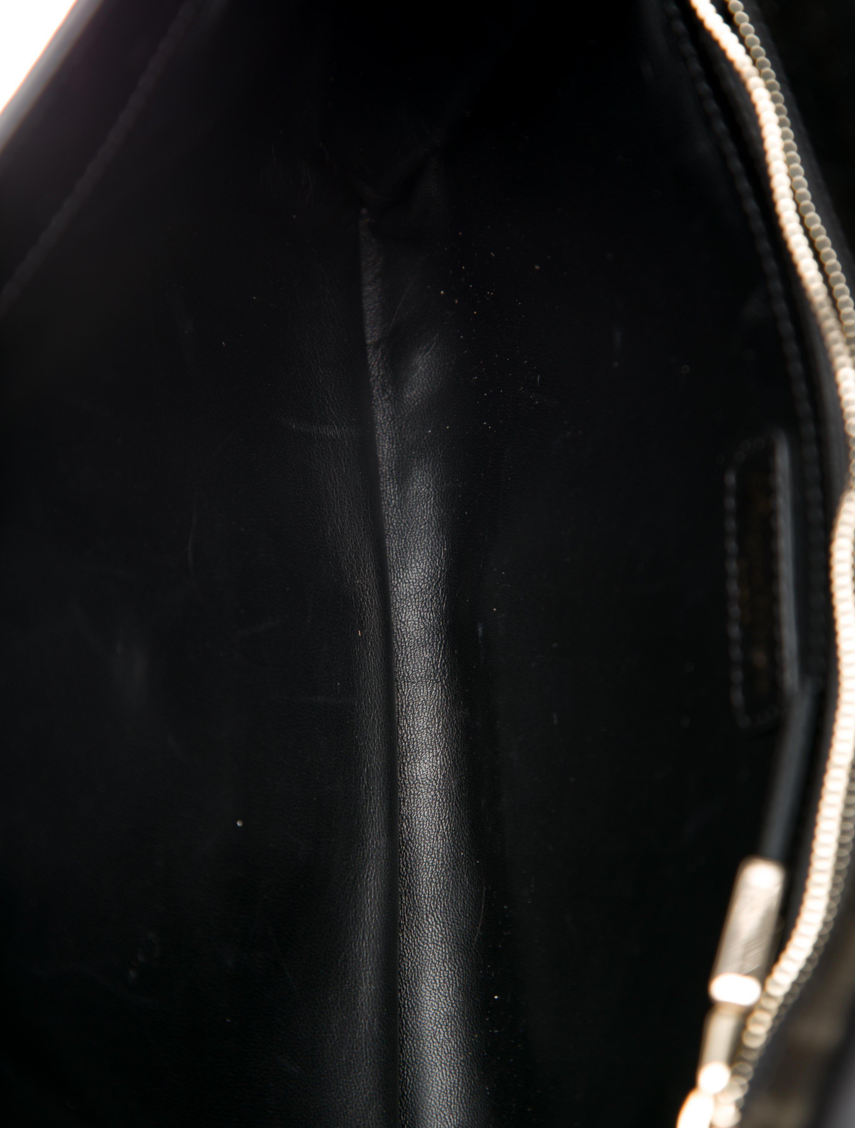 500942c16e6 Roger Vivier - Metallic Python Clutch Gold - Lyst. View Fullscreen