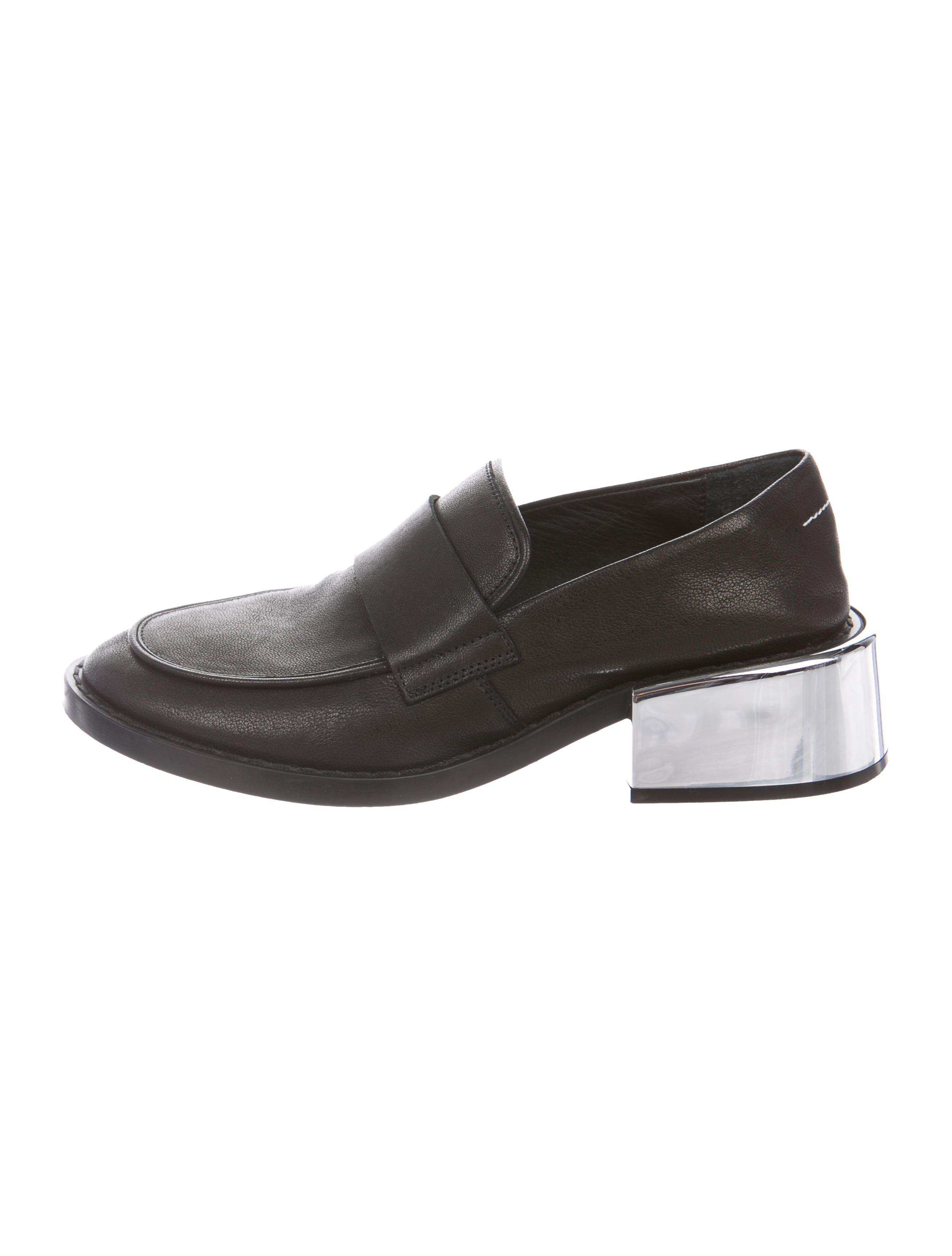 san francisco 4316f 0d38f mm6-by-maison-martin-margiela-Metallic-Leather-Round-toe-Loafers-Black.jpeg