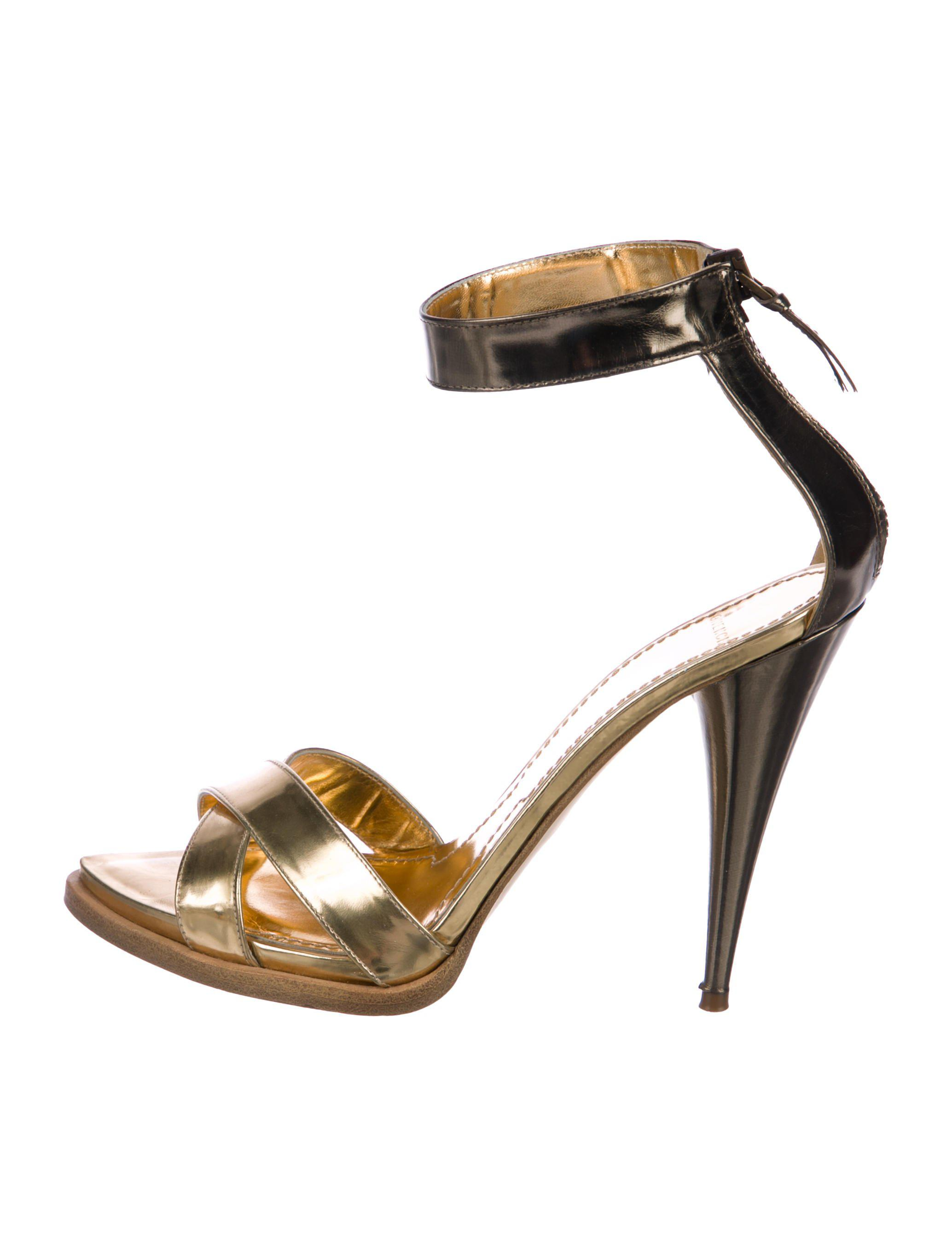 09ff9fb8d7a Lyst - Givenchy Multistrap Sandals in Metallic