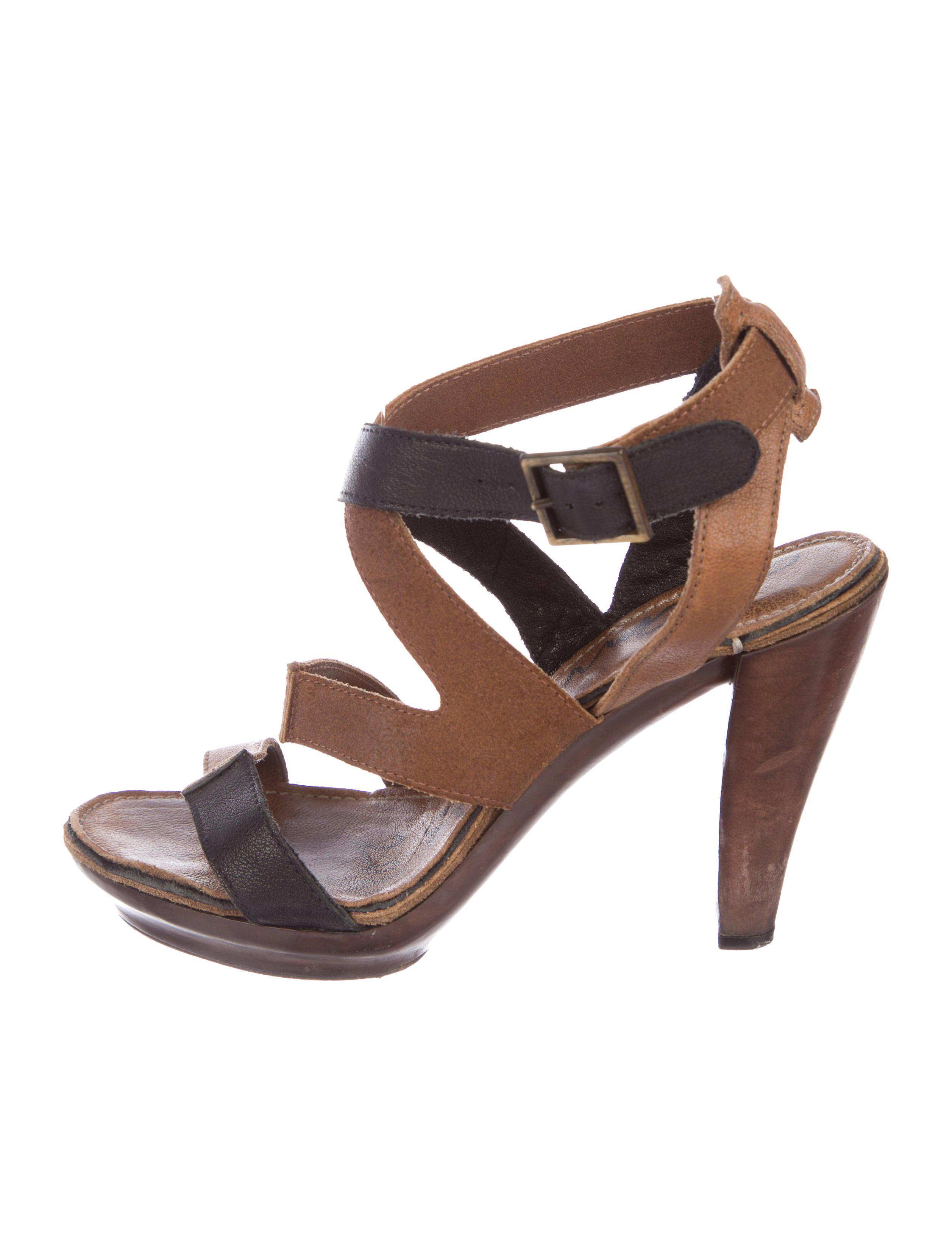 cheap sale limited edition cheap pay with visa Lanvin Leather Multi-strap Sandals footlocker finishline sale online 7IPDoZsh