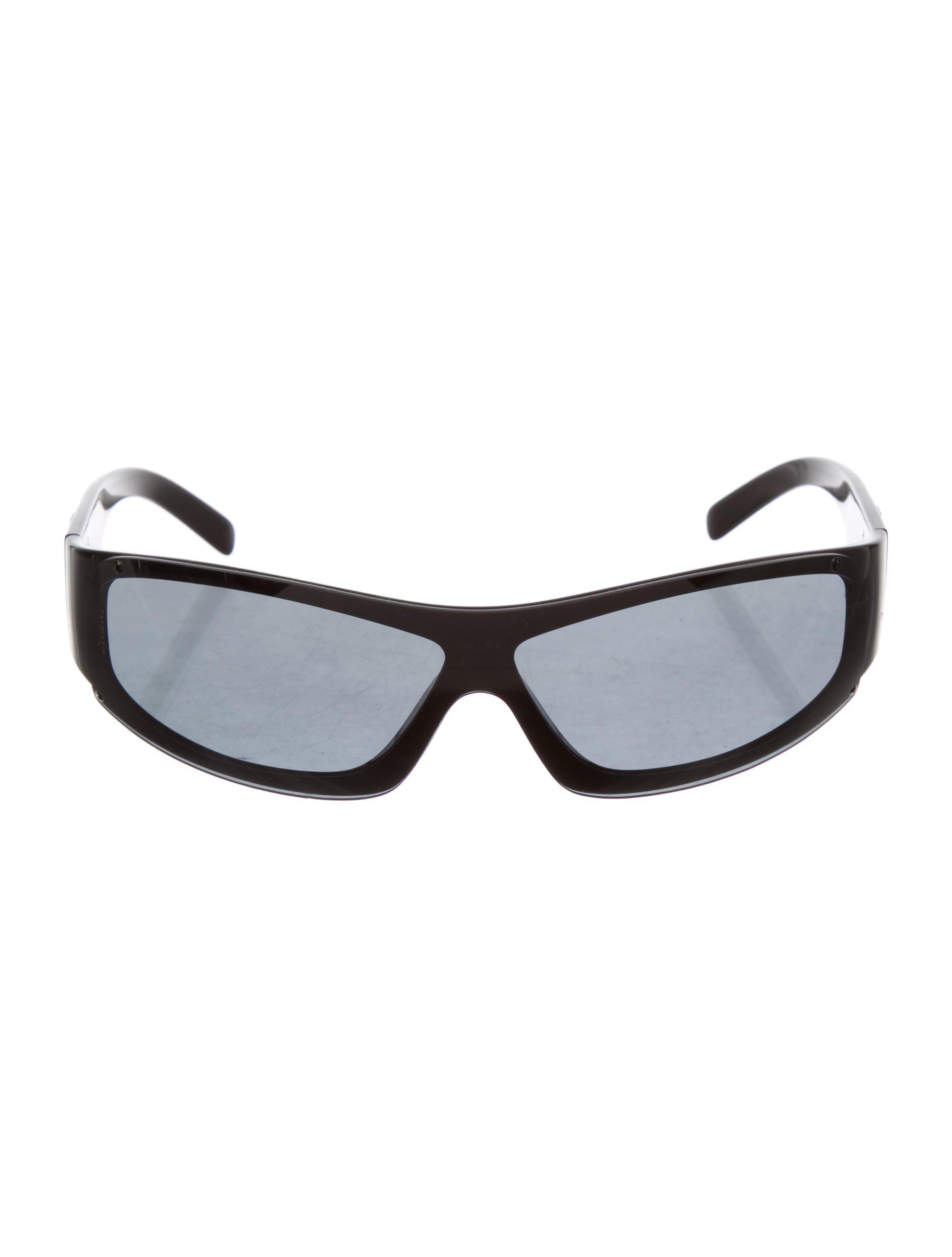 8c23c0eb976 Lyst - Chanel Cc Shield Sunglasses in Black
