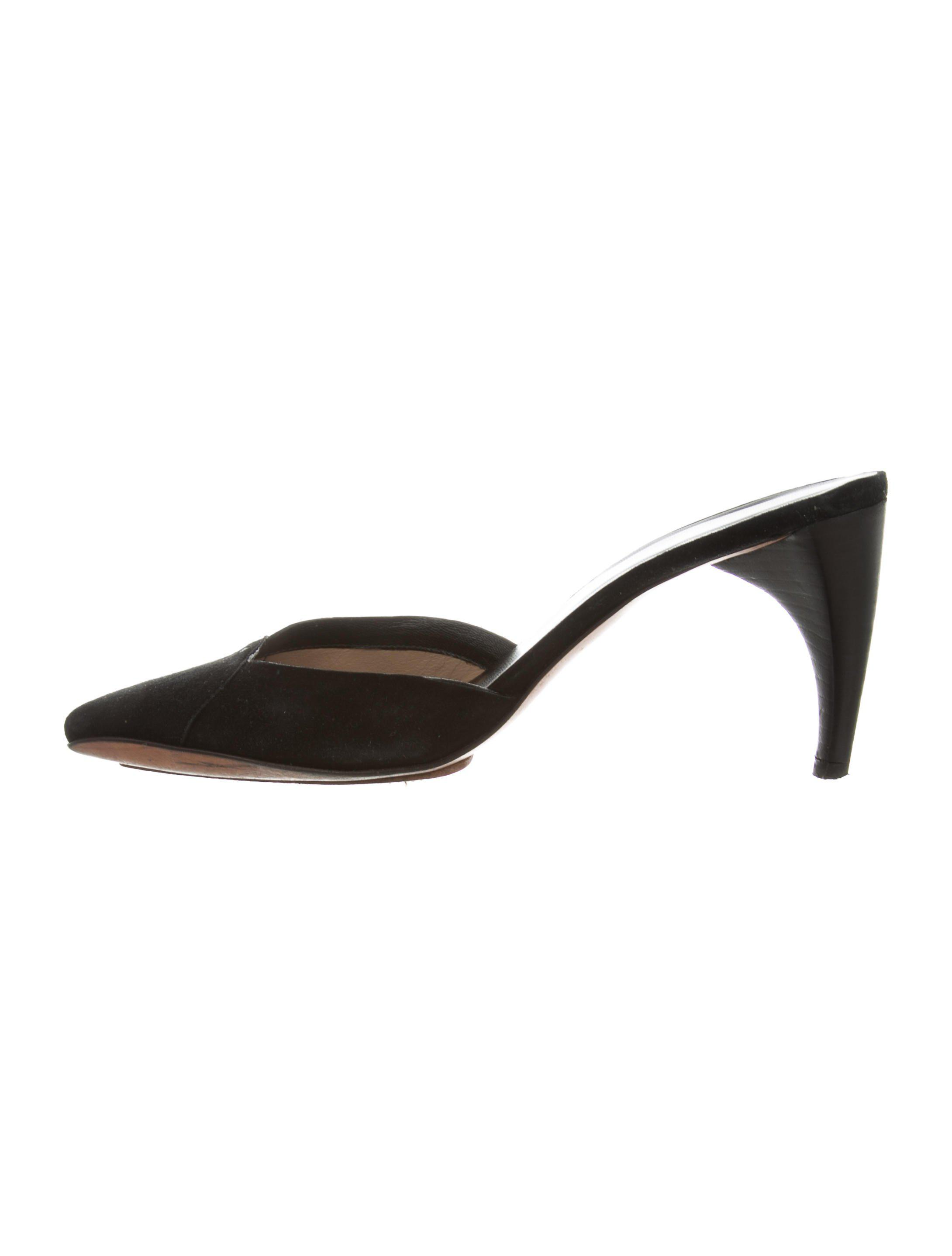 b643f5deee1040 Lyst - Costume National Suede Pointed-toe Mules in Black