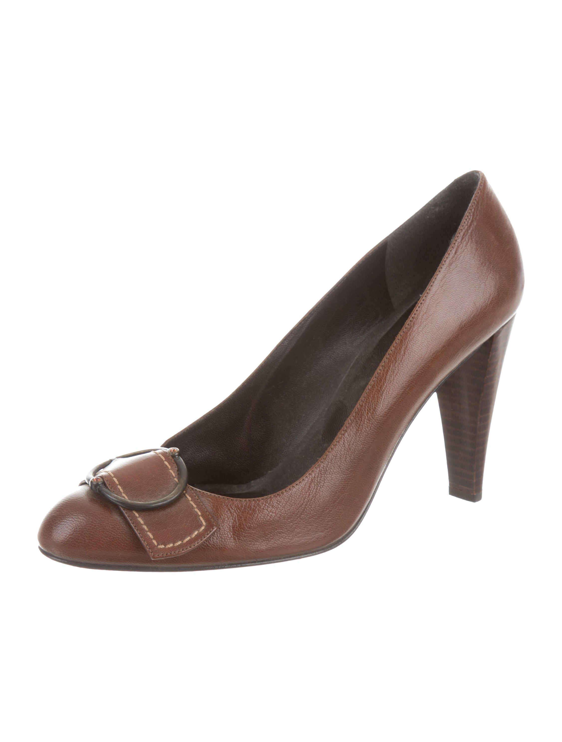 Stuart Weitzman Buckle-Accented Round-Toe Pumps discount with credit card clearance shop offer buy cheap footlocker pictures SRxIVG2c
