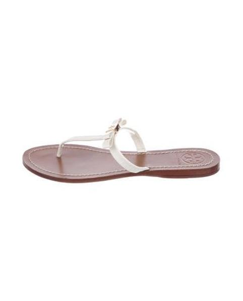 507b27282119 Lyst - Tory Burch Leather Logo T-strap Sandals Gold in Metallic