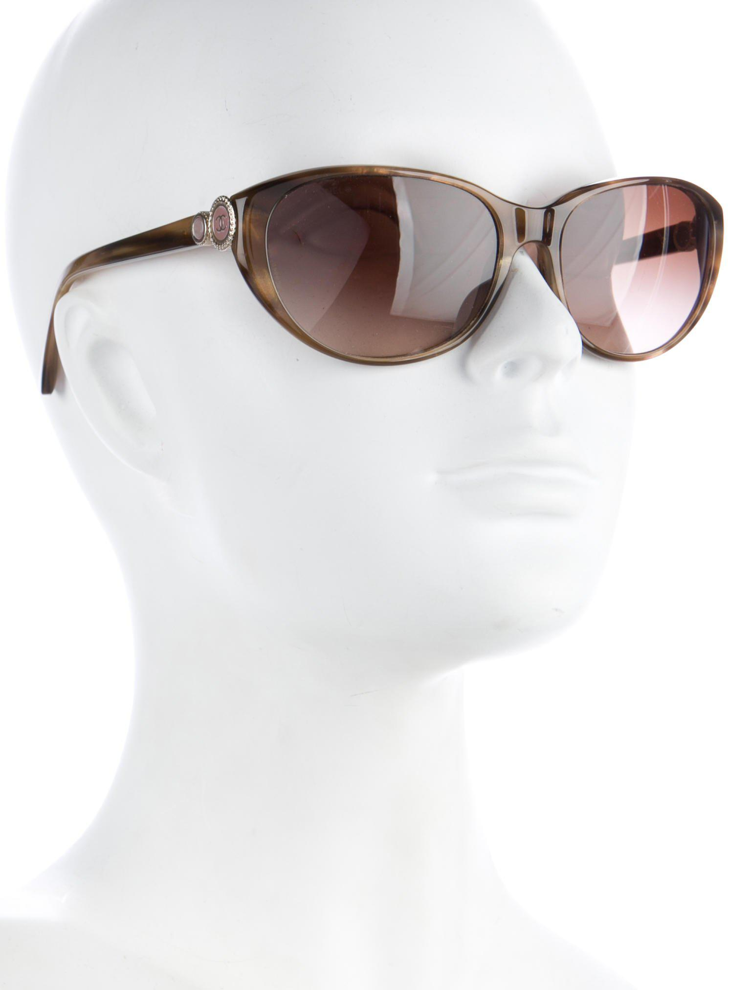 241a6c9f04a0 Lyst - Chanel Bouton Collection Cc Sunglasses Olive in Metallic