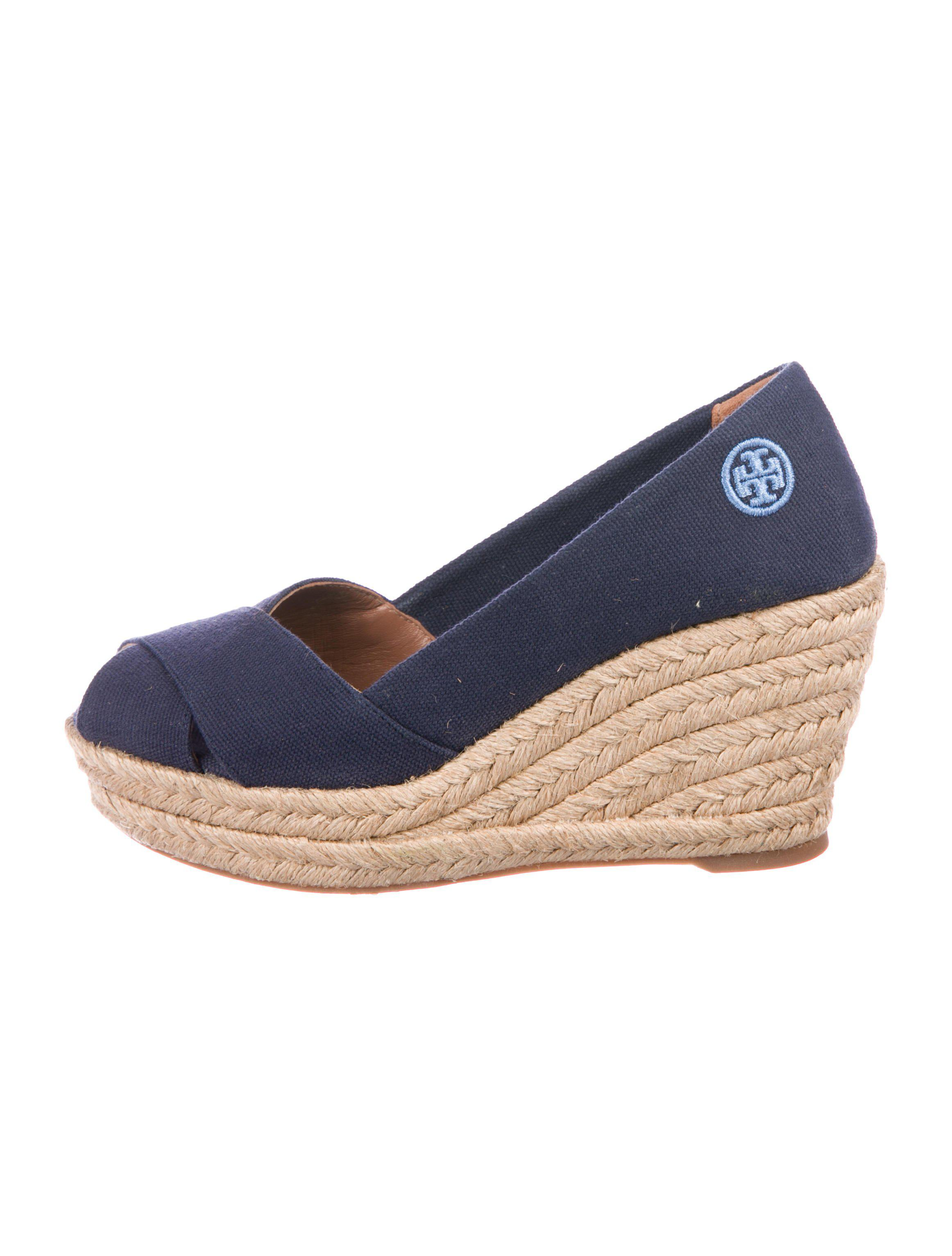 7a316c33074 Lyst - Tory Burch Platform Canvas Wedges Navy in Natural