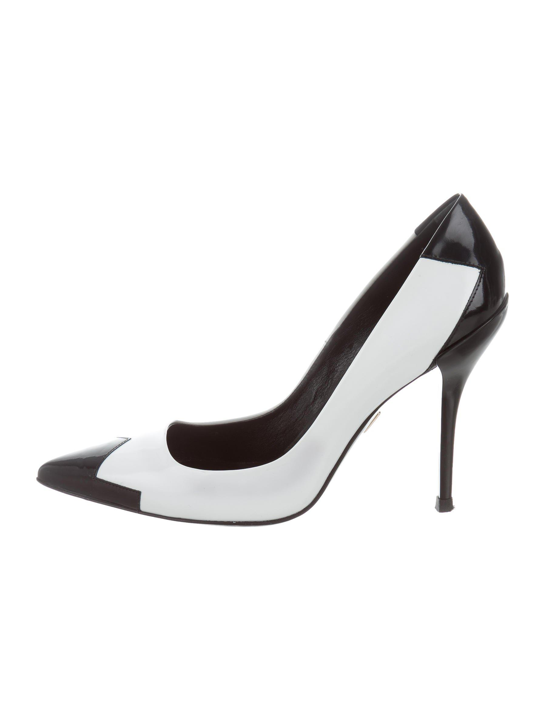 Roger Vivier Pointed-Toe Studded Pumps sale collections cheap online shop buy cheap best seller Egf6hy