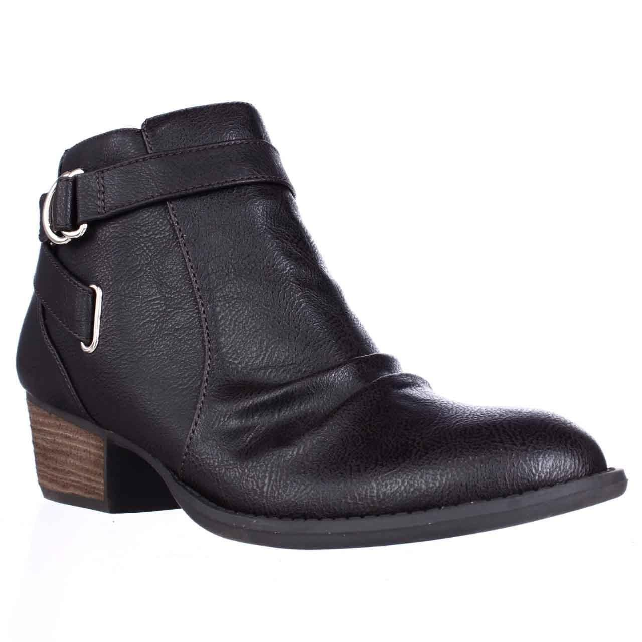 Scholl high boots and ankle boots flaunt a style conceived to accompany throughout the entire day: sturdy and attractive to the eye, they help you walk correctly, safeguarding the .