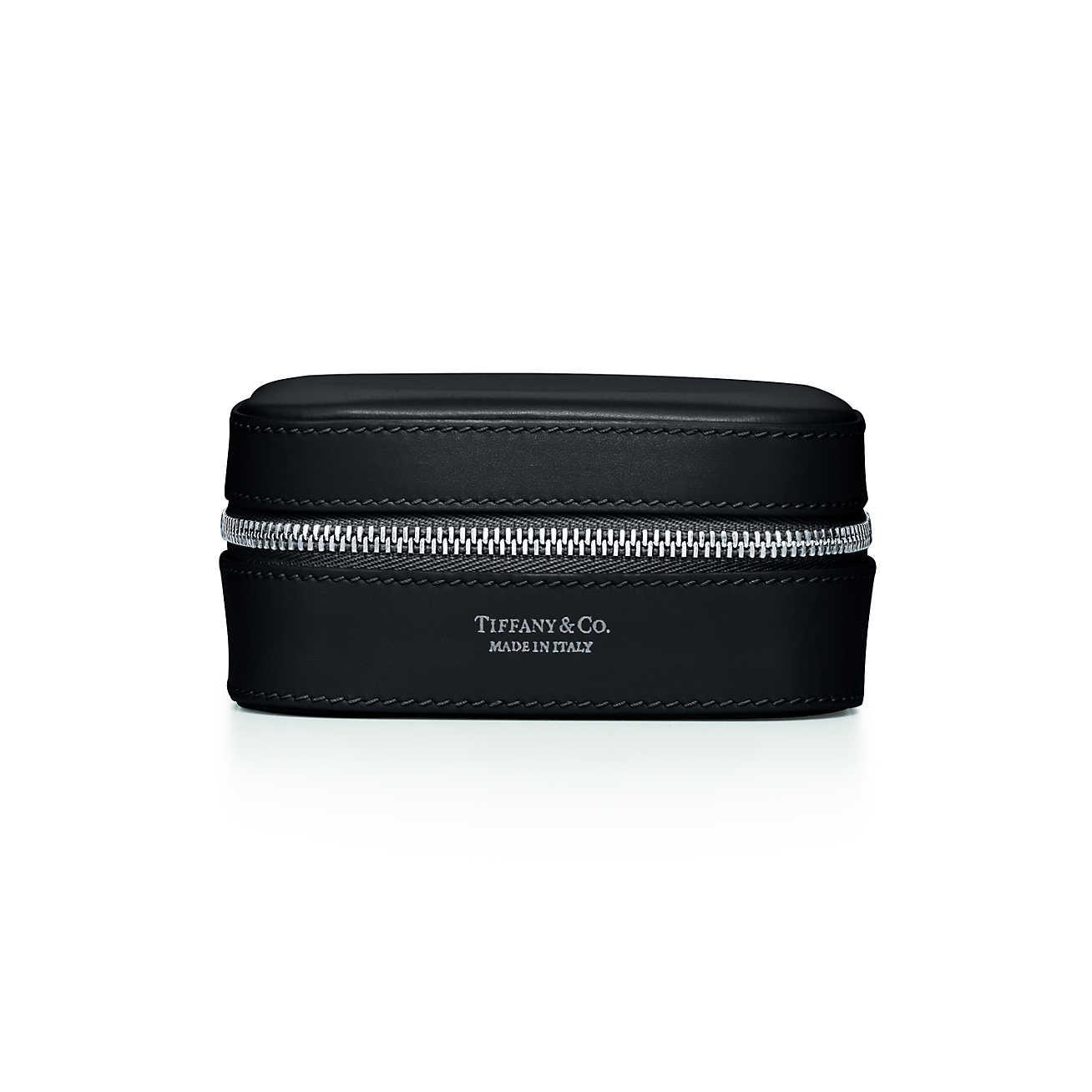 Round jewellery case in black smooth calfskin leather, small Tiffany & Co.