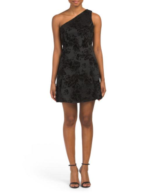 2930bc8b79187 Lyst - Tj Maxx Petite One Shoulder Velvet Dress in Black