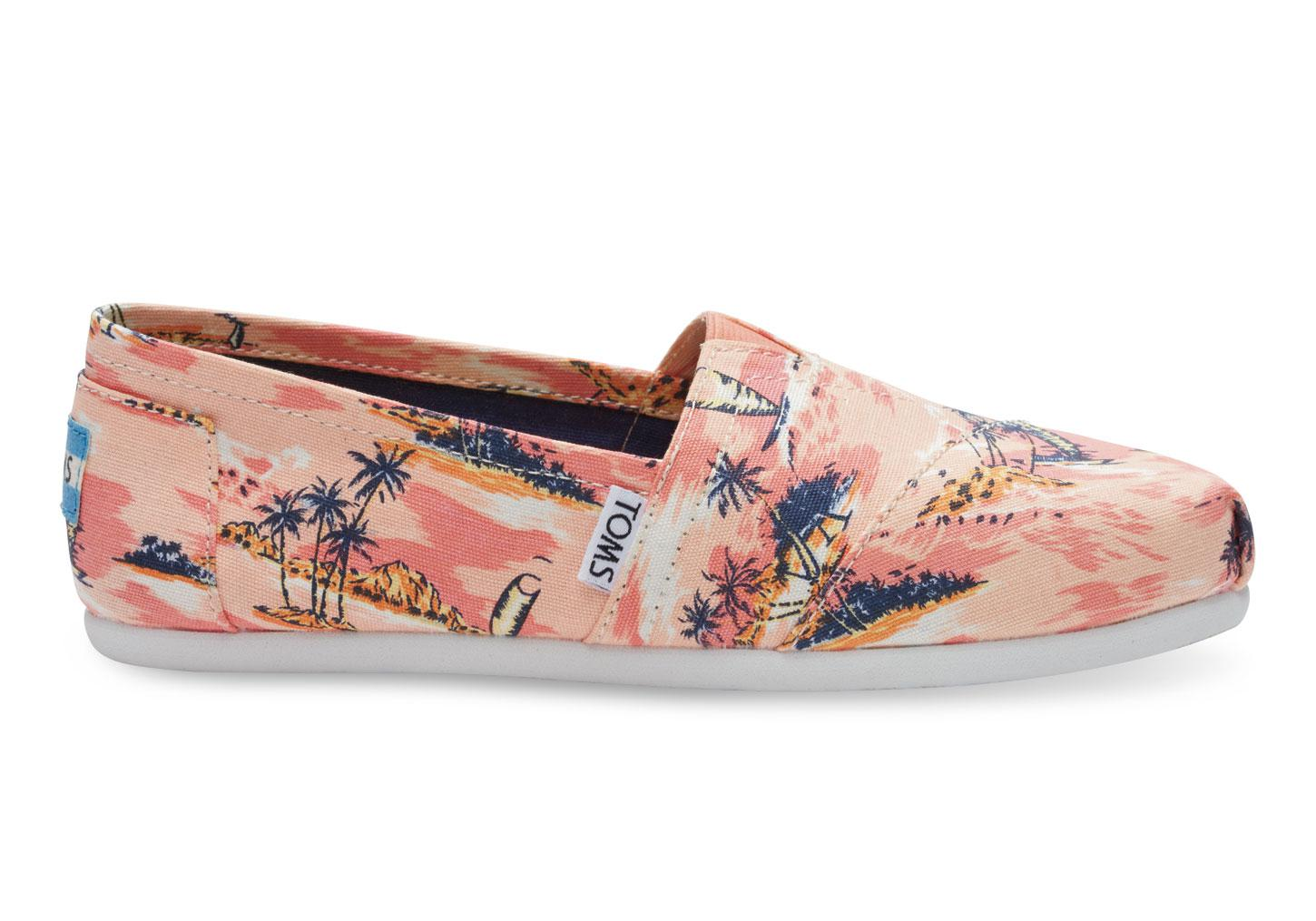28b200fea5a Lyst - TOMS Coral Canvas Printed Palms Women s Classics in Pink