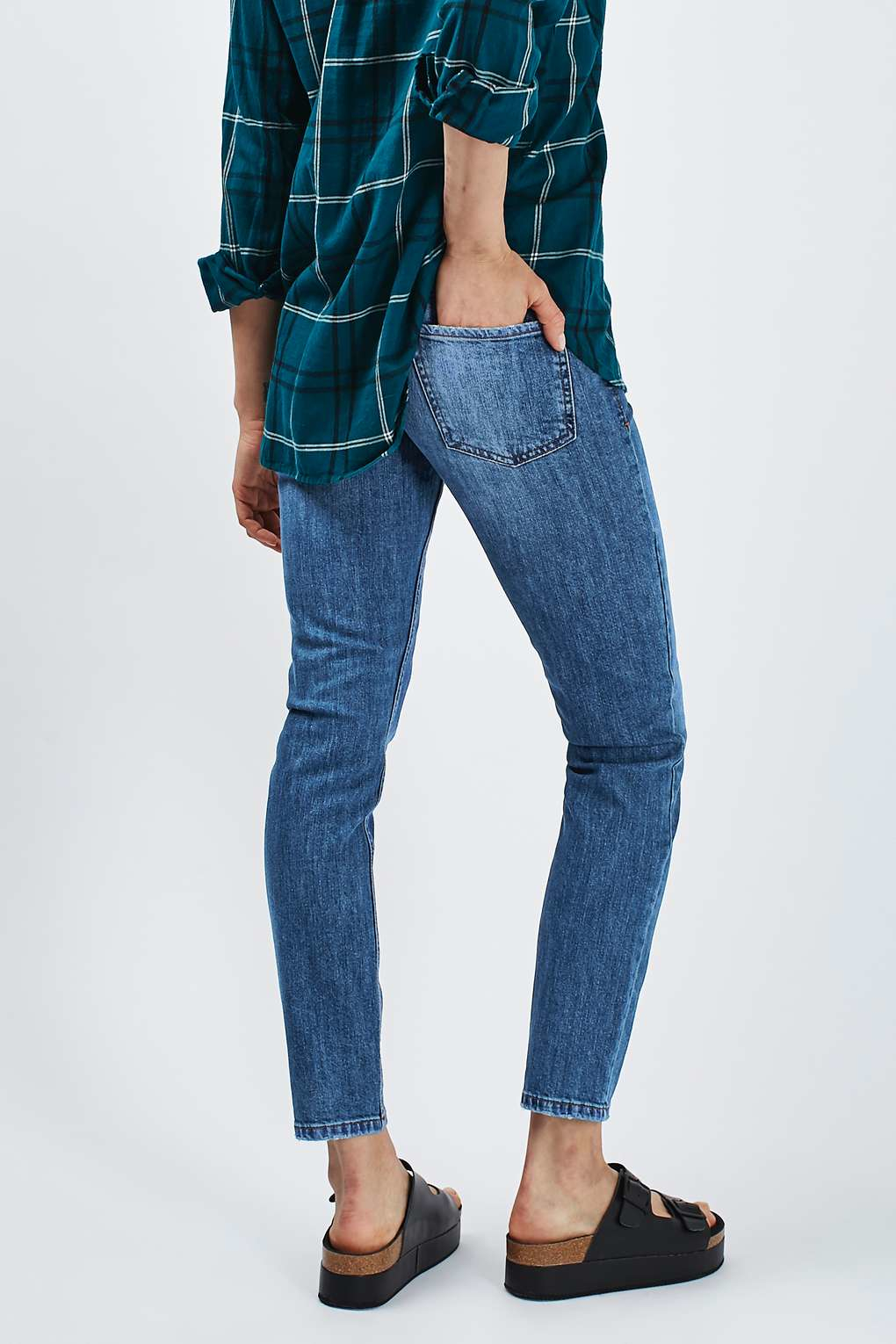 Lyst topshop moto mid blue baxter jeans in blue for Womens denim shirts topshop