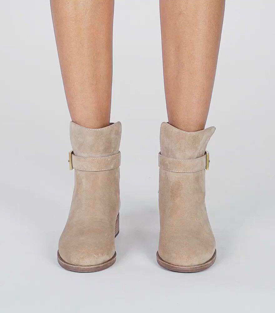 953772106 Lyst - Tory Burch Brooke Ankle Bootie in Natural