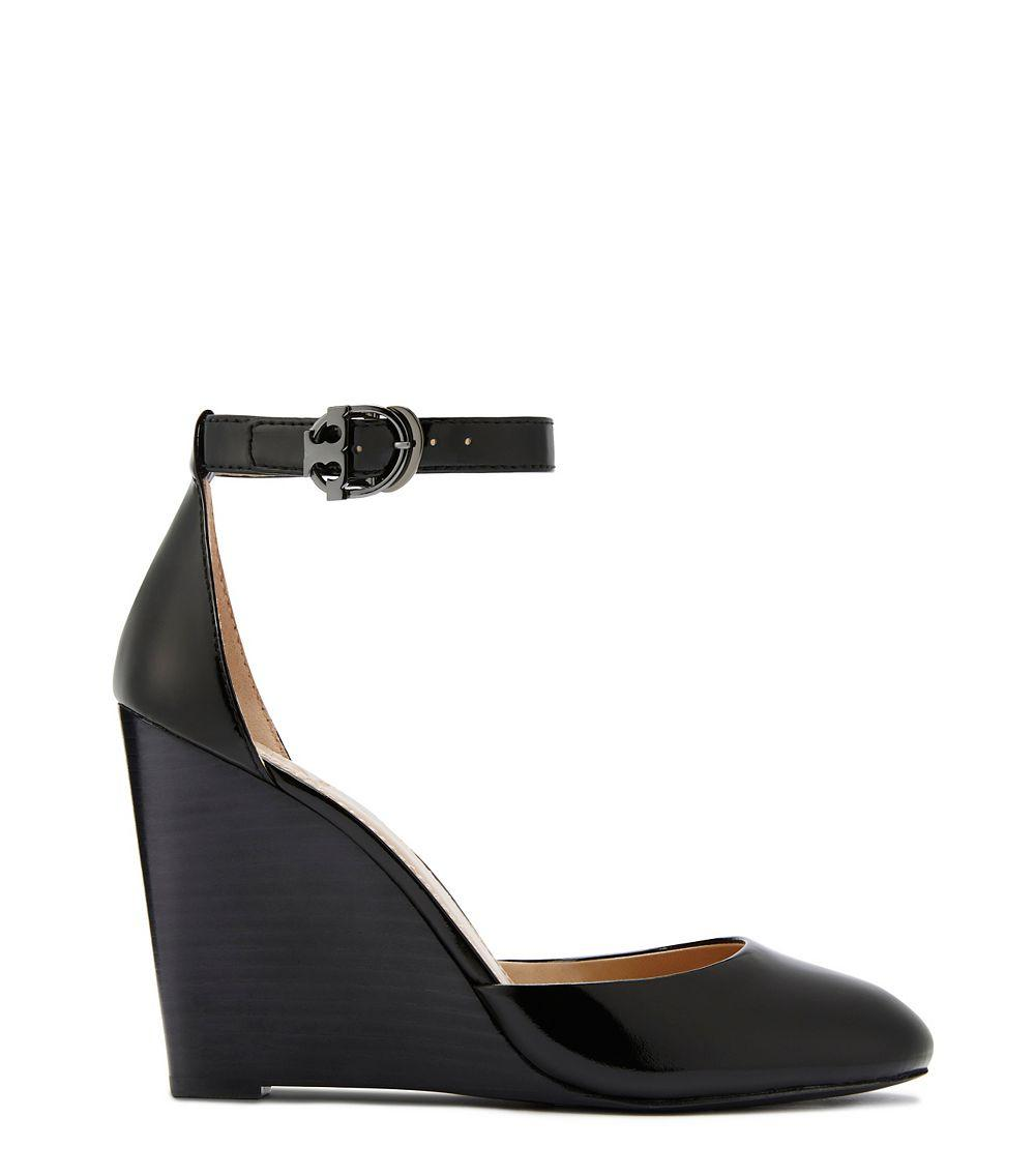 92d0653ff Tory Burch Thames Wedge Sandal in Black - Lyst