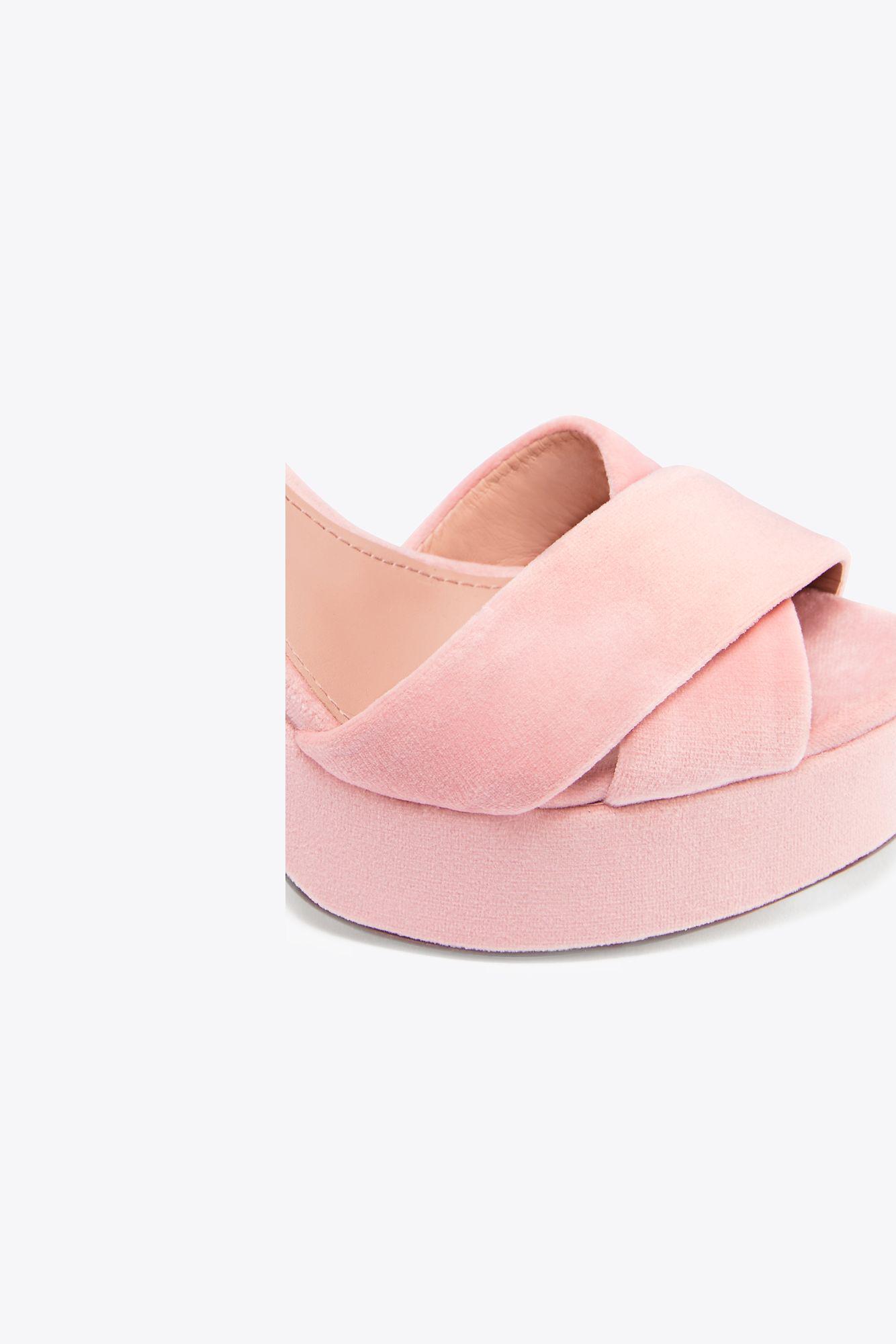 e61efc29590ffc Lyst - Tory Burch Loretta Velvet Platform Sandal in Pink