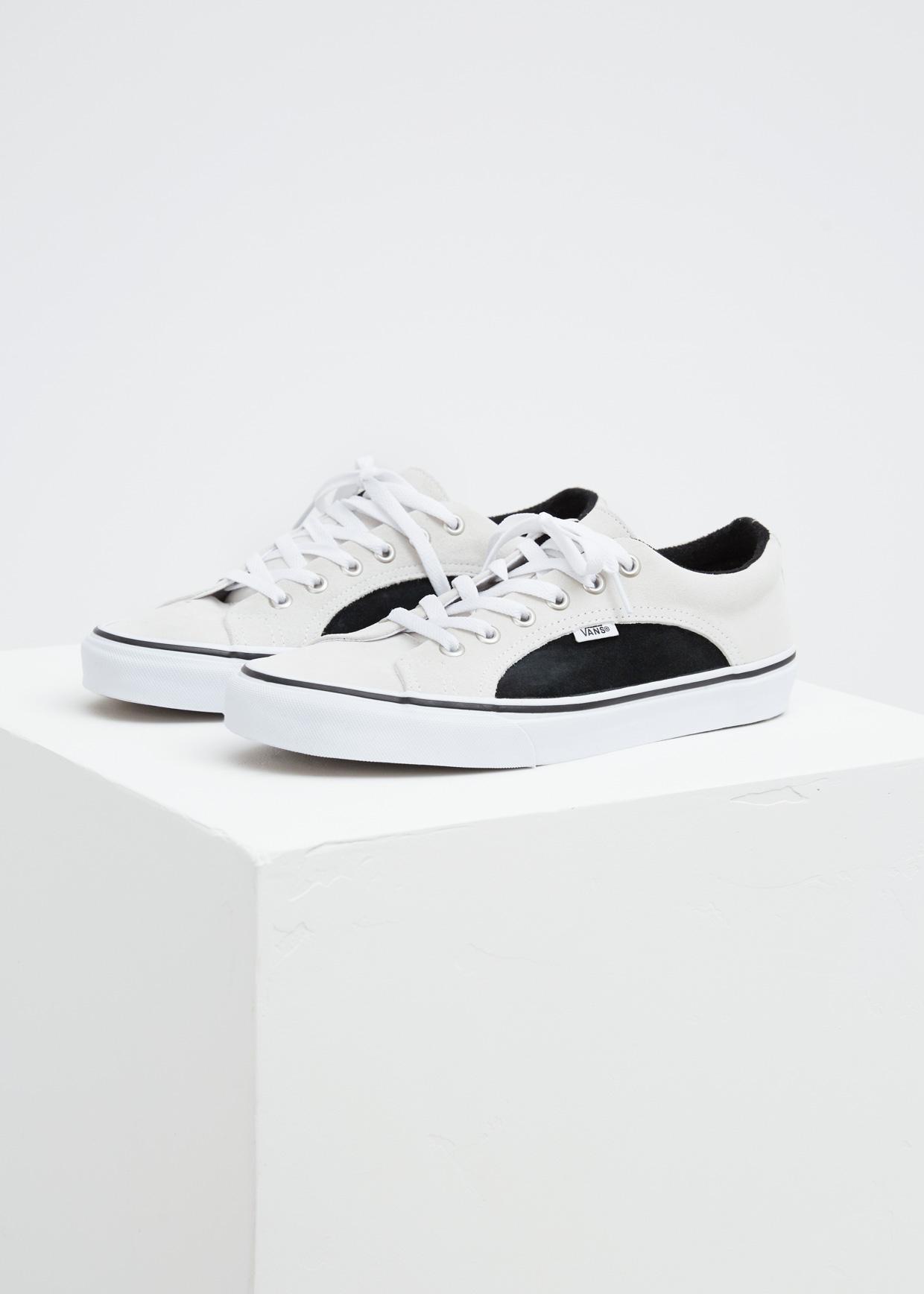 ac80753b66 Vans True White   Black Ua 2-tone Suede Lampin Sneaker in White for ...