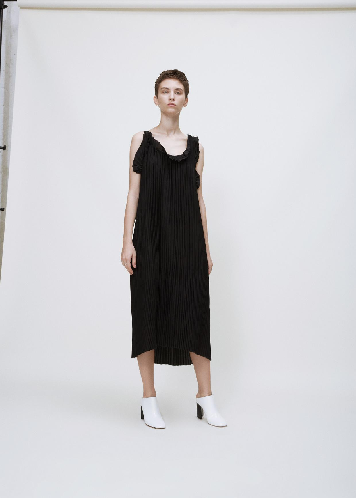 Lyst maison margiela black crepe de chine tank dress in for Maison de margiela