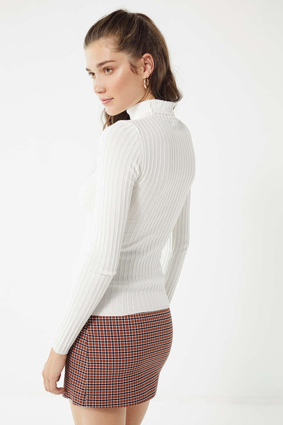 8cf0c936828110 Urban Outfitters Uo Ronnie Ribbed Knit Turtleneck Sweater in White ...
