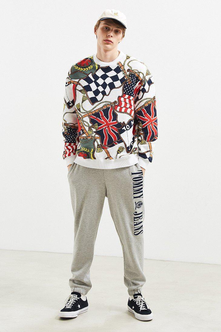 f8e12026 Tommy Hilfiger Tommy Hilfiger '90s Flag Crew Neck Sweatshirt in ...