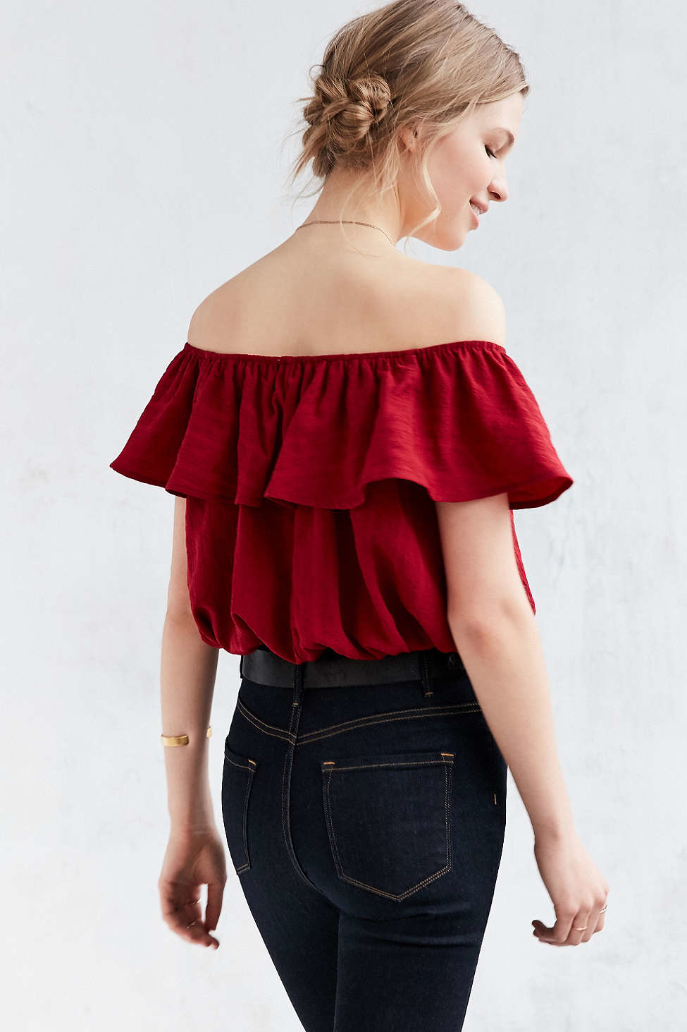 23c32bb1eace2 Lyst - Kimchi Blue Ruffle Off-the-shoulder Cropped Top in White