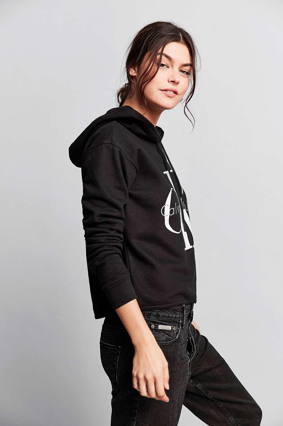 Calvin Klein For UO 90s Cropped Hoodie Sweatshirt