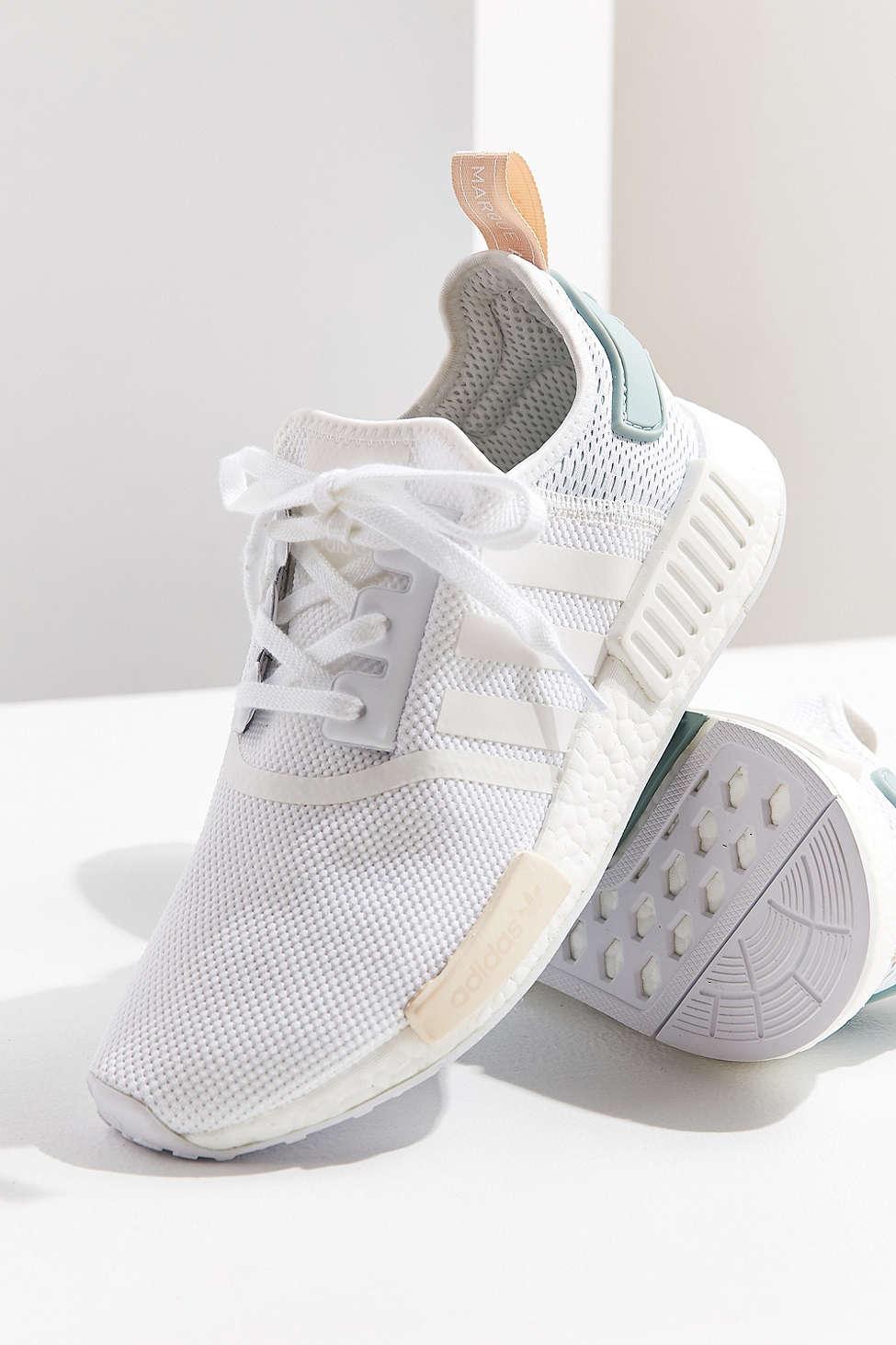 lyst adidas originals originale nmd r1 sneaker in weiß