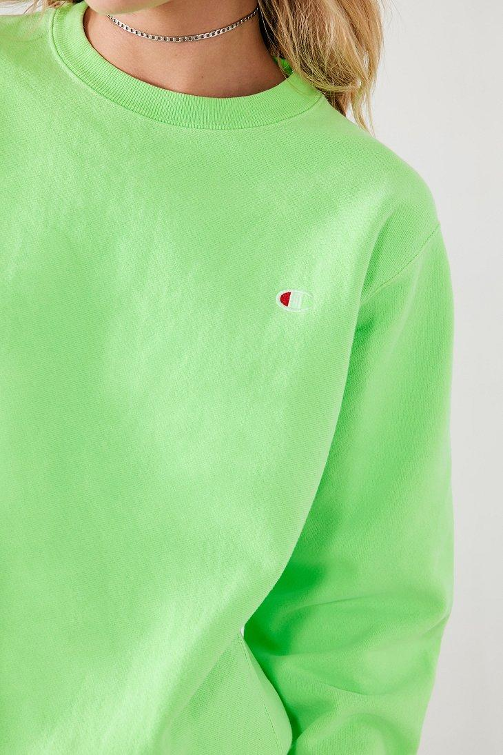 8b97e5237 Champion + Uo Pigment Dye Pullover Sweatshirt in Green - Lyst