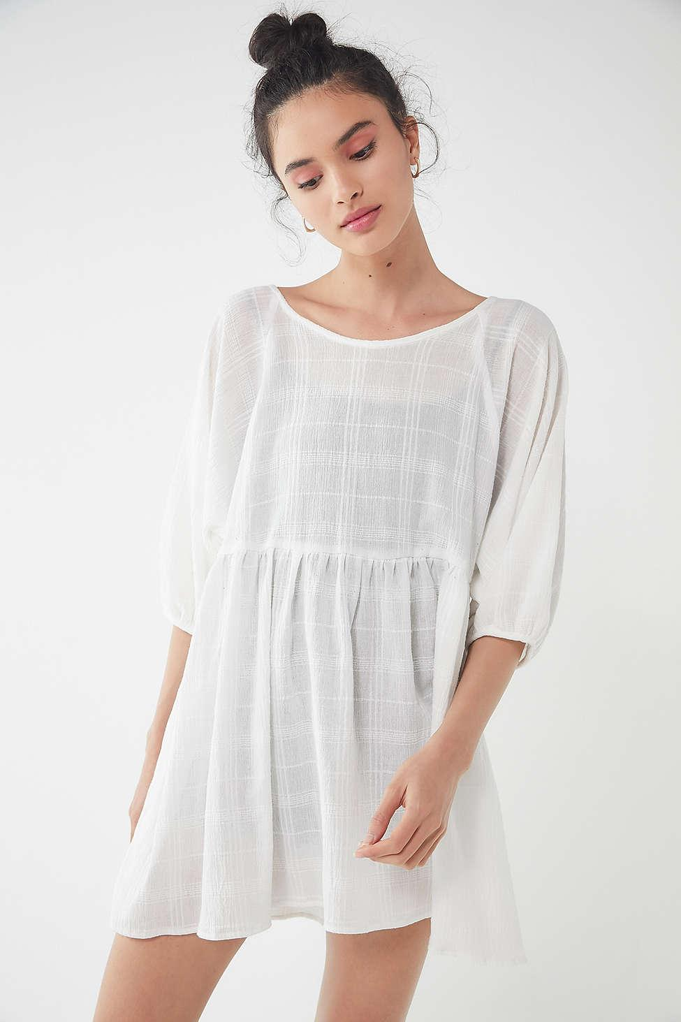 f2ad2d9c22056 Urban Renewal Remnants Gauze Babydoll Tunic Top in White - Lyst