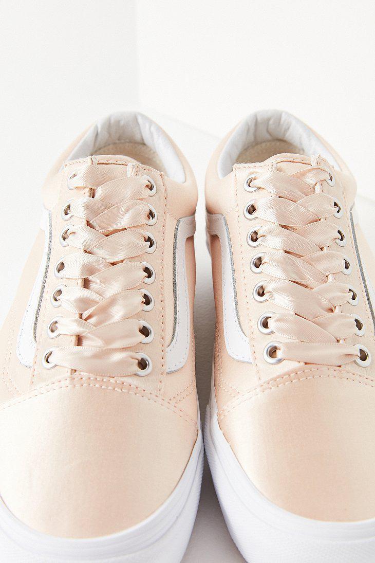 7d5a7ca2c70ff0 Lyst - Vans Vans Satin Lux Old Skool Sneaker in Pink
