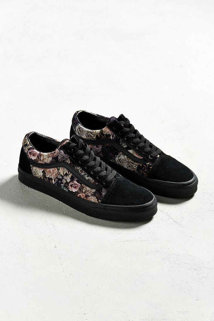 30f77cf4927 Gallery. Previously sold at  Urban Outfitters · Men s Vans Old Skool ...