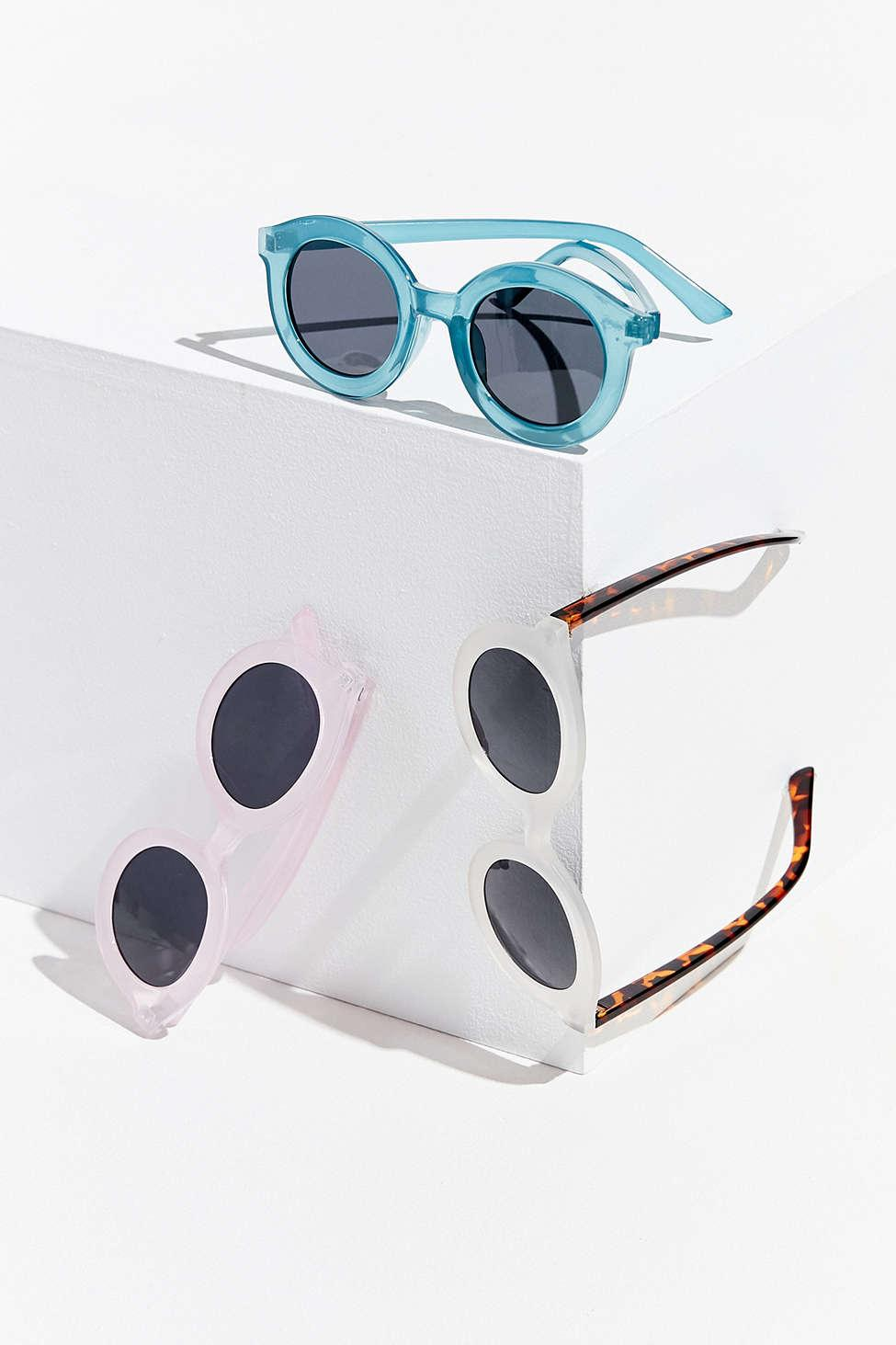 4d11dd0cb Lyst - Urban Outfitters Fairfax Round Frosted Sunglasses in Blue