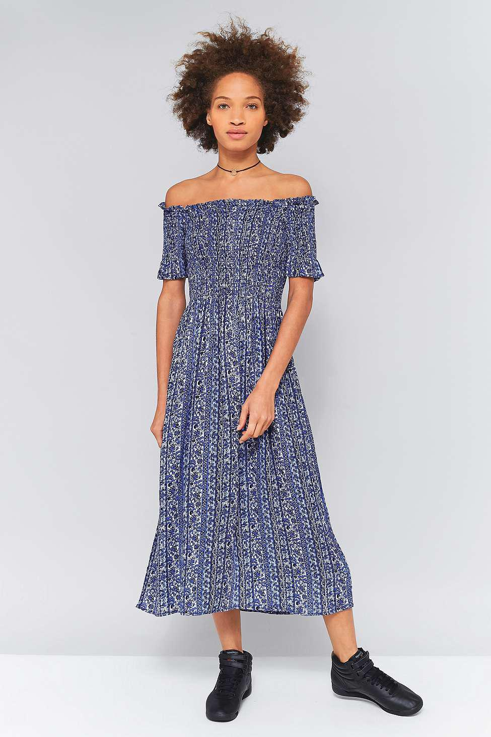 5ac47a65a3e0 Kimchi Blue Picnic Blue Floral Smocked Off-the-shoulder Midi Dress ...