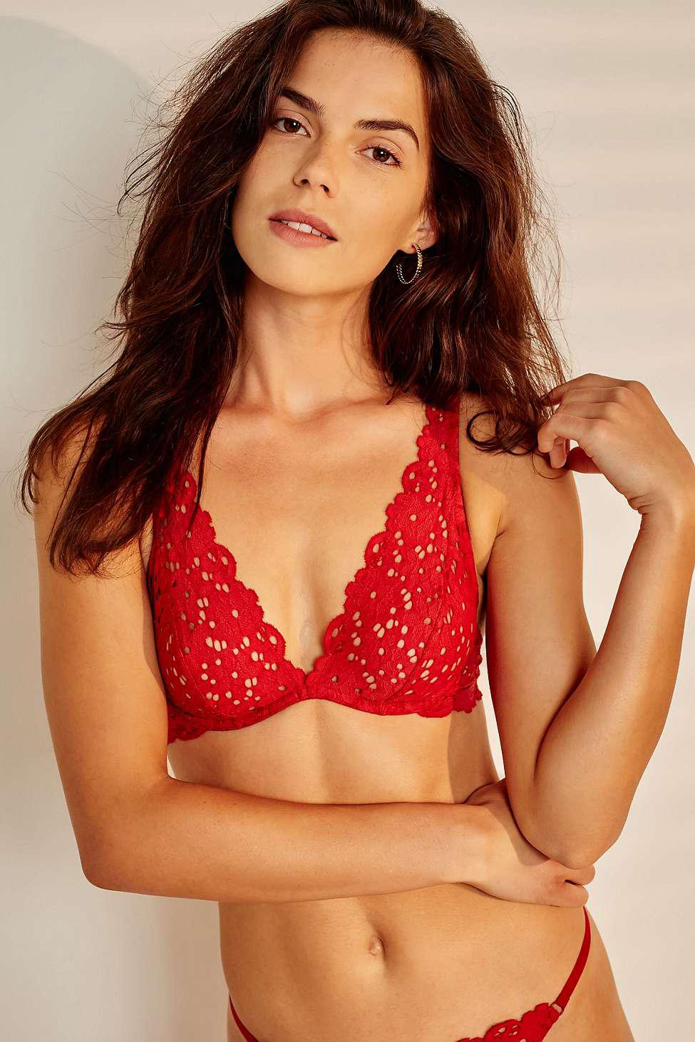 91c995d46a8266 Urban Outfitters Amelie Lace Underwire Bra in Red - Lyst