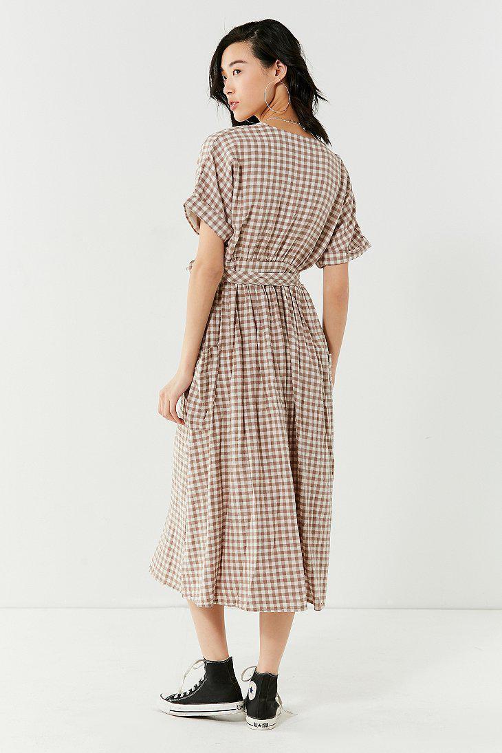 f4ee3589542fe Urban Outfitters Uo Gabrielle Linen Midi Wrap Dress - Lyst