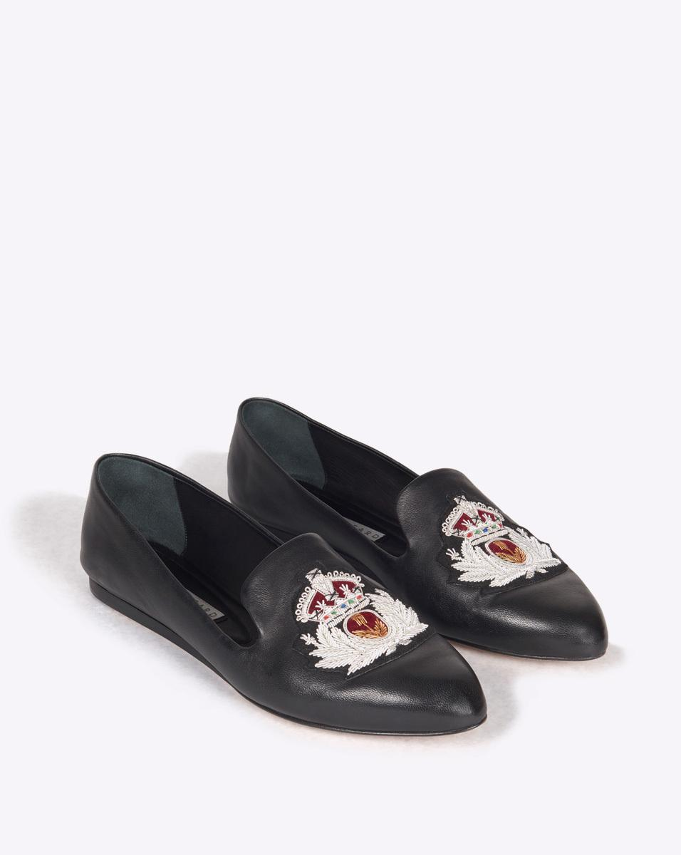 8be311911d6 Veronica Beard Griffin Loafer With Crest Patch in Black - Lyst