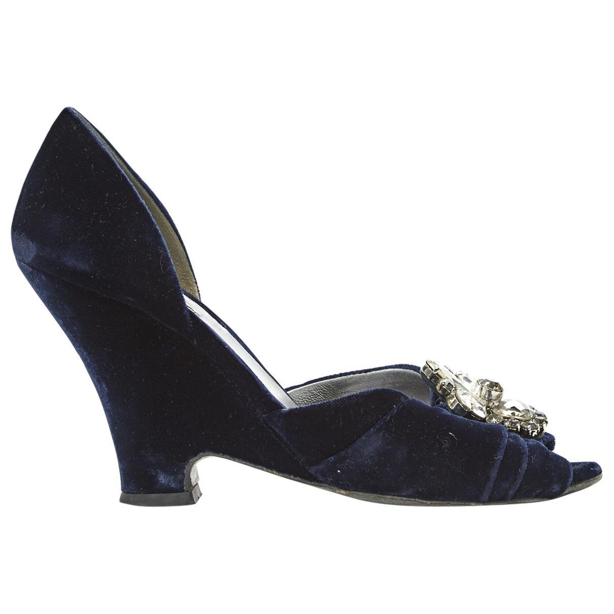 Pre-owned - Velvet heels Miu Miu Bydboi