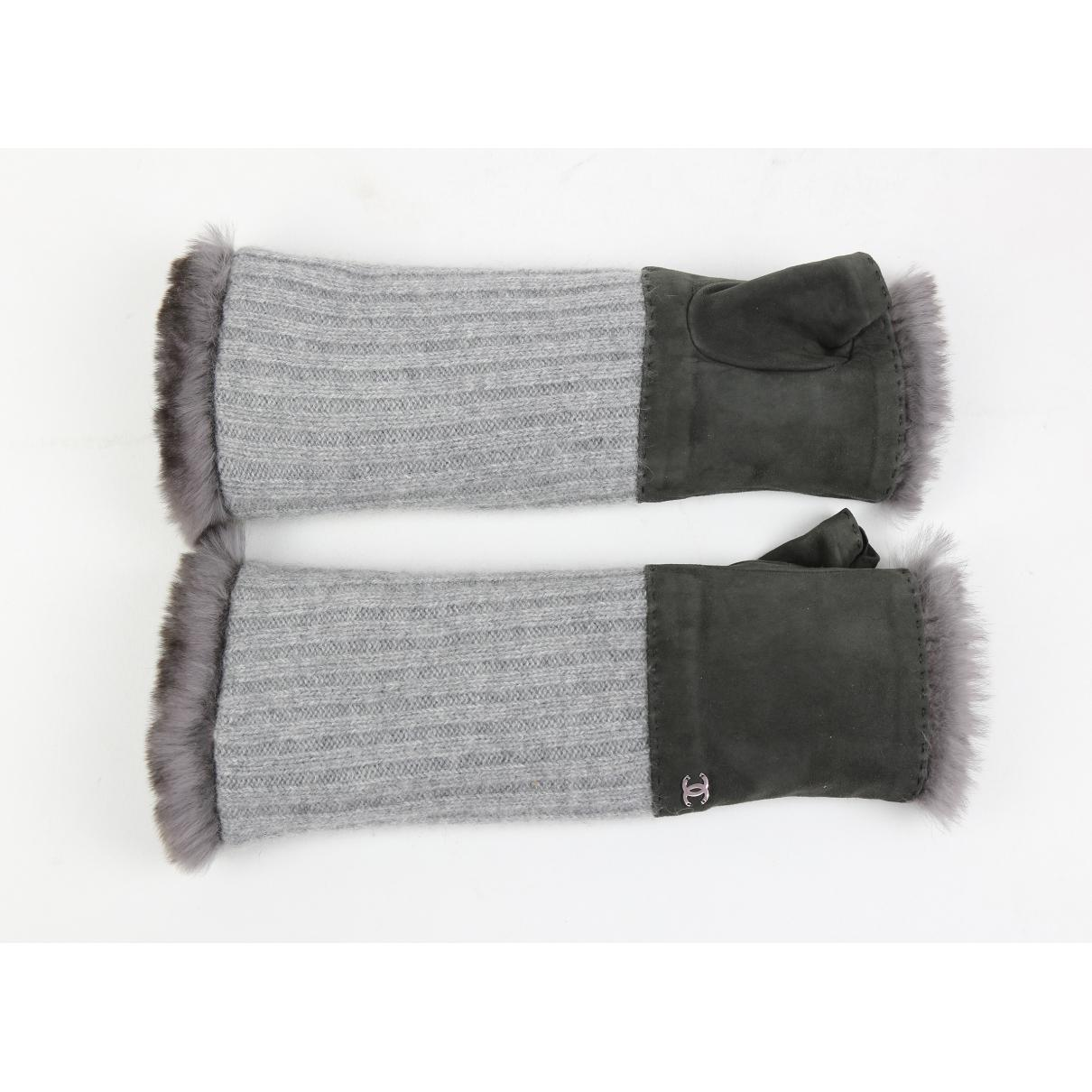 f2c715aadaa Chanel Leather Gloves in Gray - Lyst