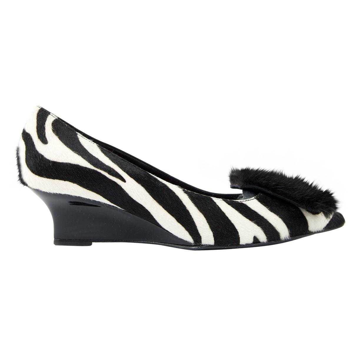 Best Seller Cheap Price Finishline For Sale Burberry Pony-style Calfskin Heels tIMVqB