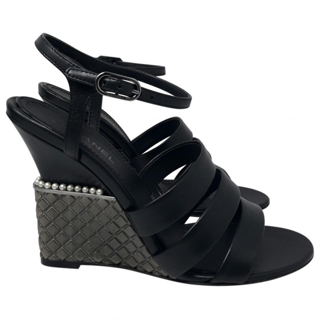 f2277c12d04 Lyst - Chanel Leather Sandals in Black