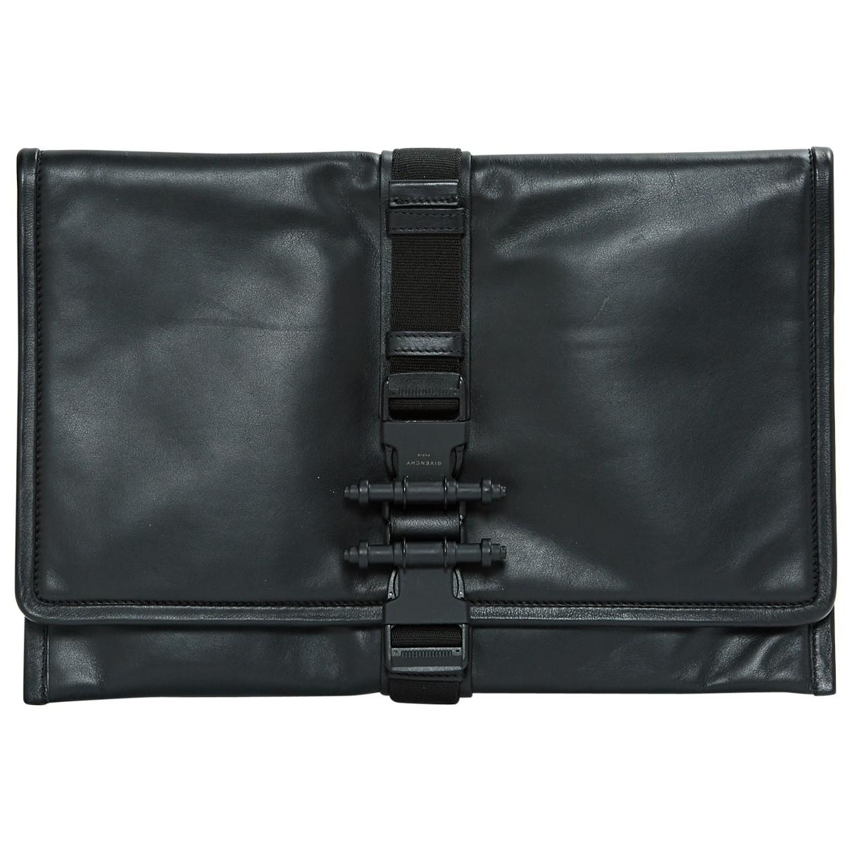 Givenchy Pre-owned - Leather clutch bag BMWMMg