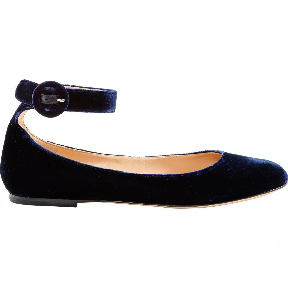 0410c7172ebf Lyst - Gianvito Rossi Navy Velvet Ballet Flats in Blue - Save 8%