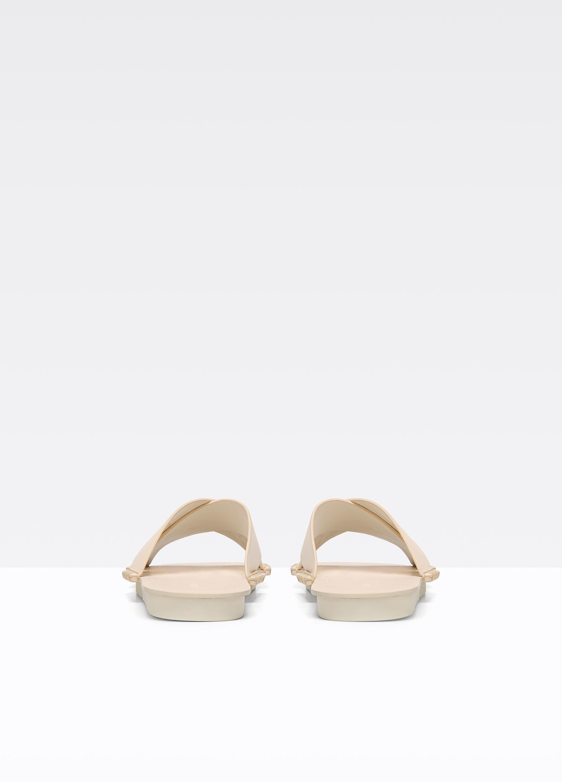 4b9f3057a4fe Vince Nico Leather Sandals in Natural - Lyst