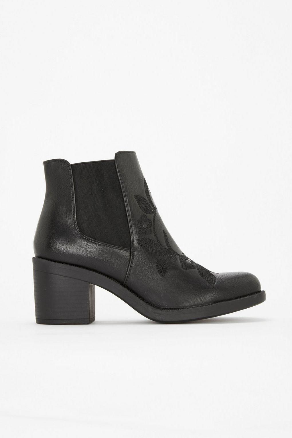 ed96a2e98278 Wallis Black Embroidered Chelsea Boot in Black - Lyst