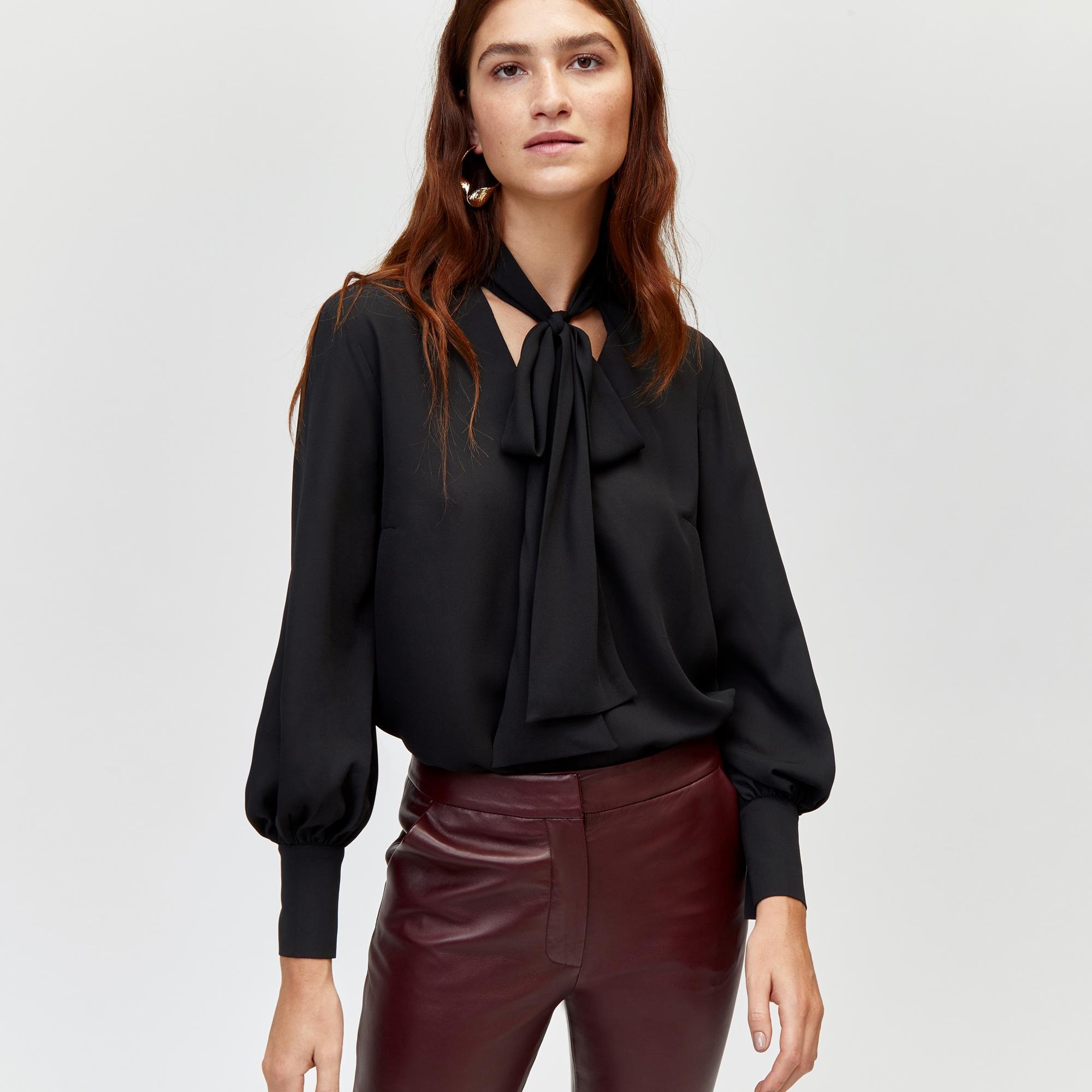 38c7c51aae0 Warehouse Pussy-bow Blouse in Black - Lyst